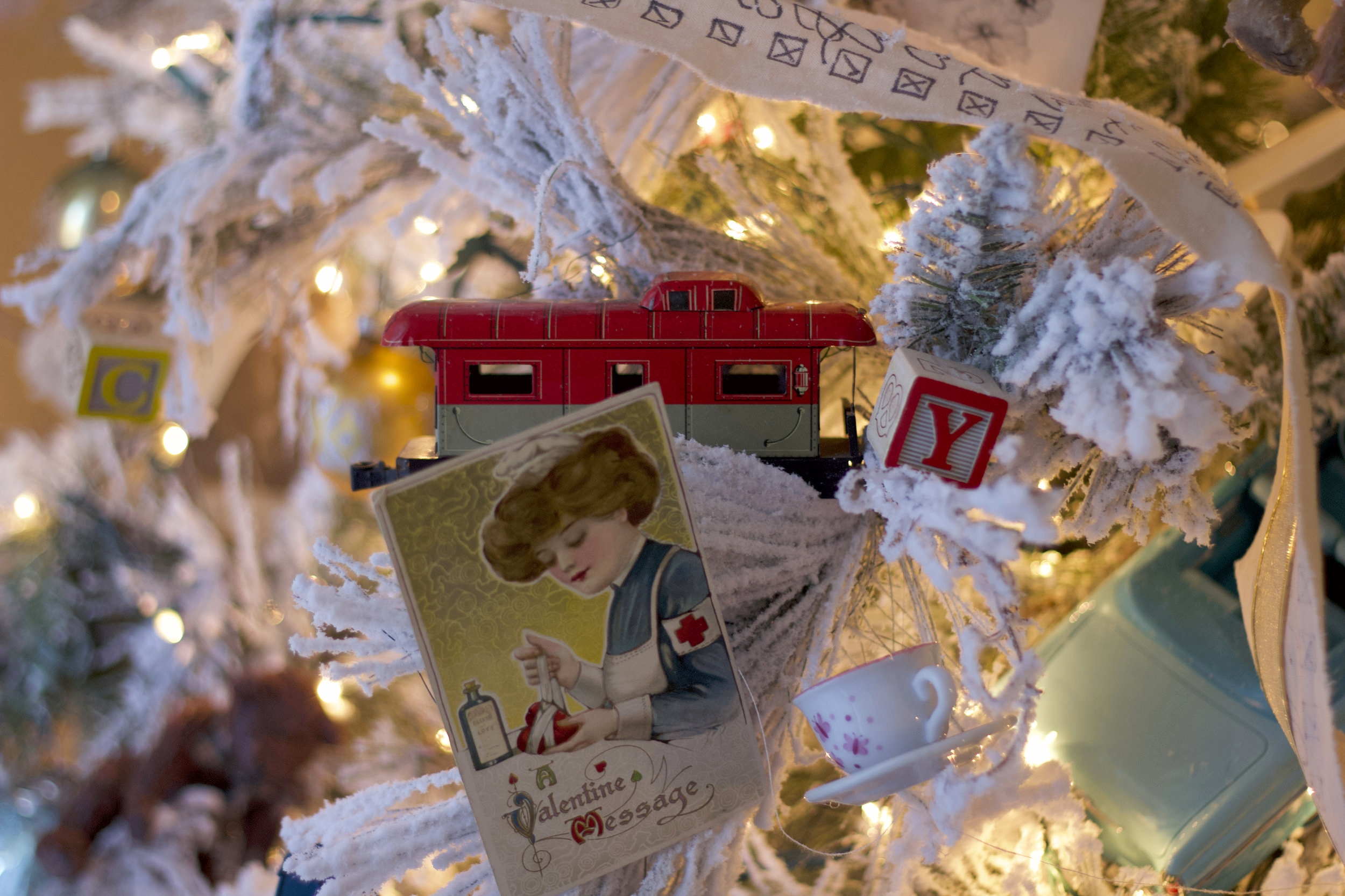 Christmas tree decorator Miami FL