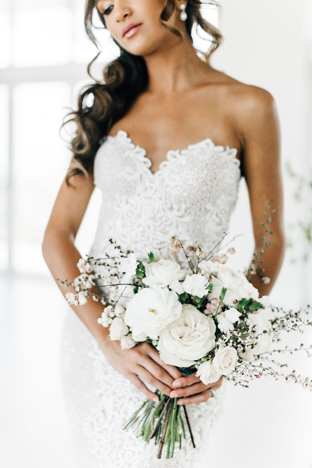 Bride bouquet white and blush