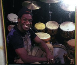 Marcus endorses Remo drumheads & World Percussion.