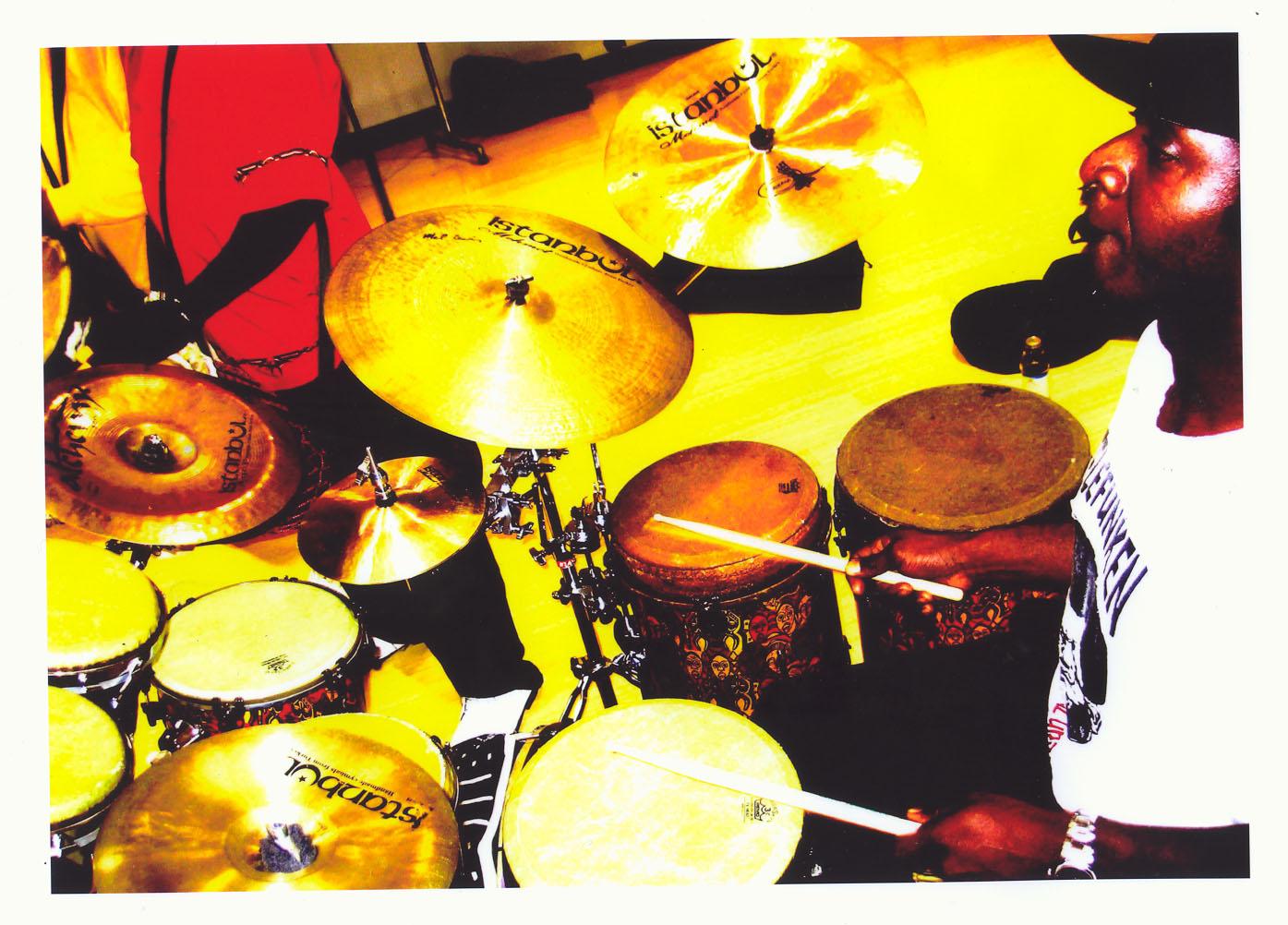 Marcus endorses Istanbul Mehmet cymbals.