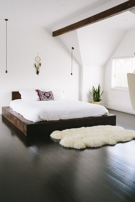 minimalist bedroom.jpg