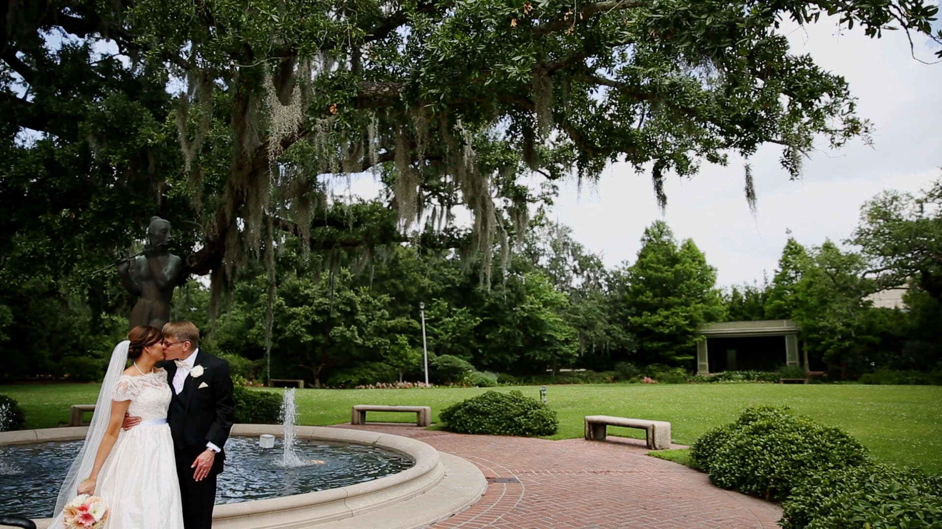 City Park always provides a tranquil setting for a beautiful wedding!