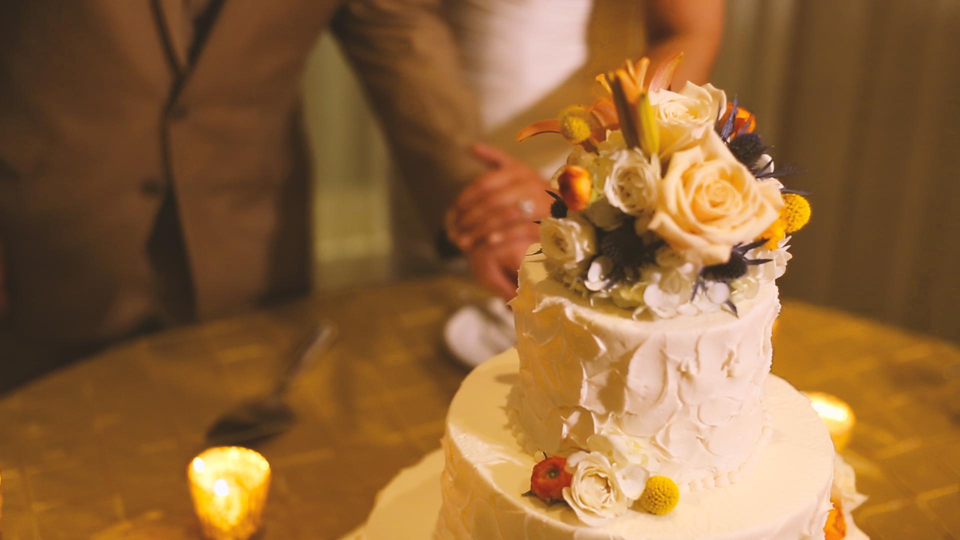 We love the texture on  Haydel's  beautiful cake.