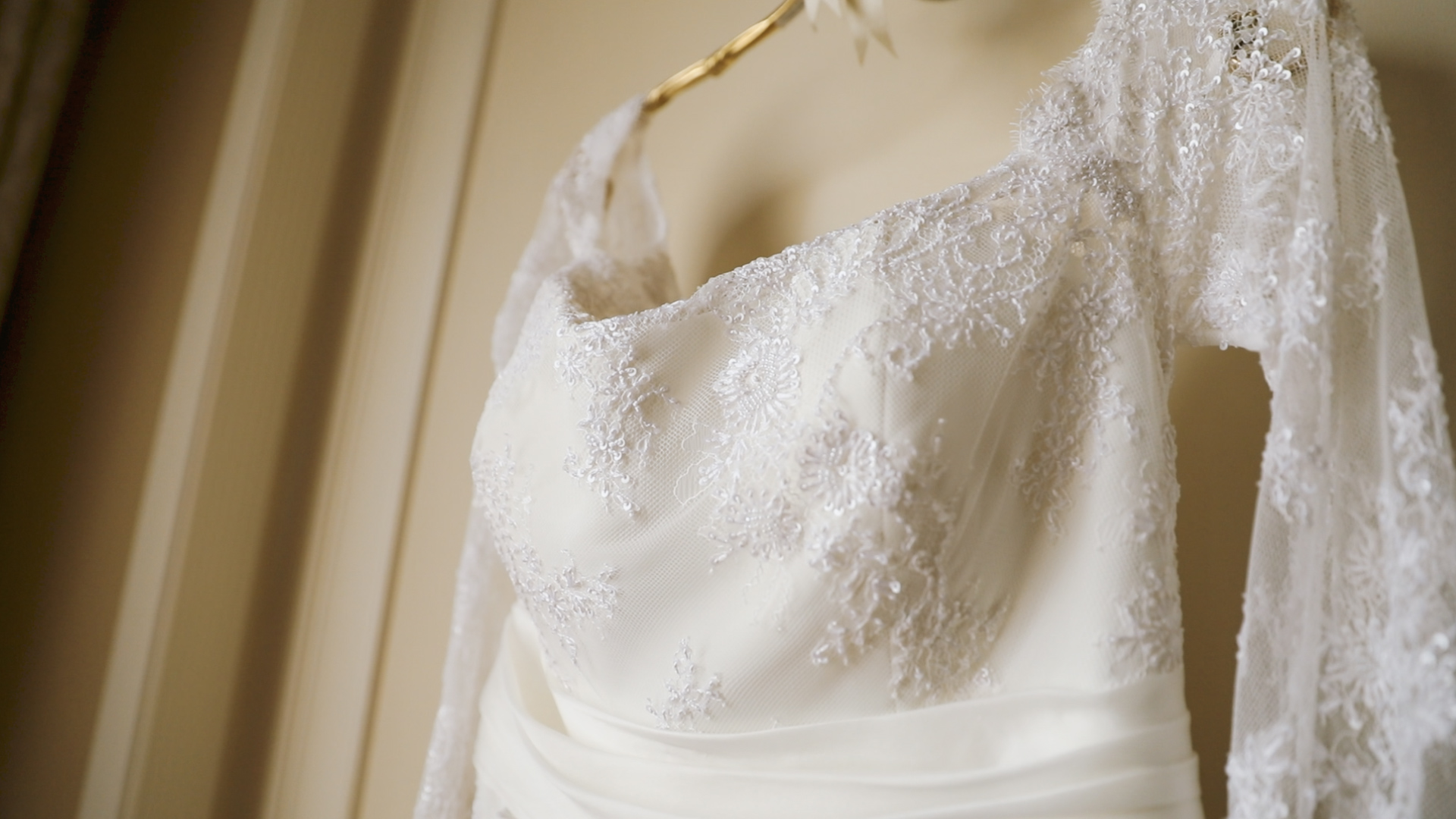 Colleen and Charles_Urban Contemporary Arts Center Wedding_New Orleans videographer_Wedding dress lace
