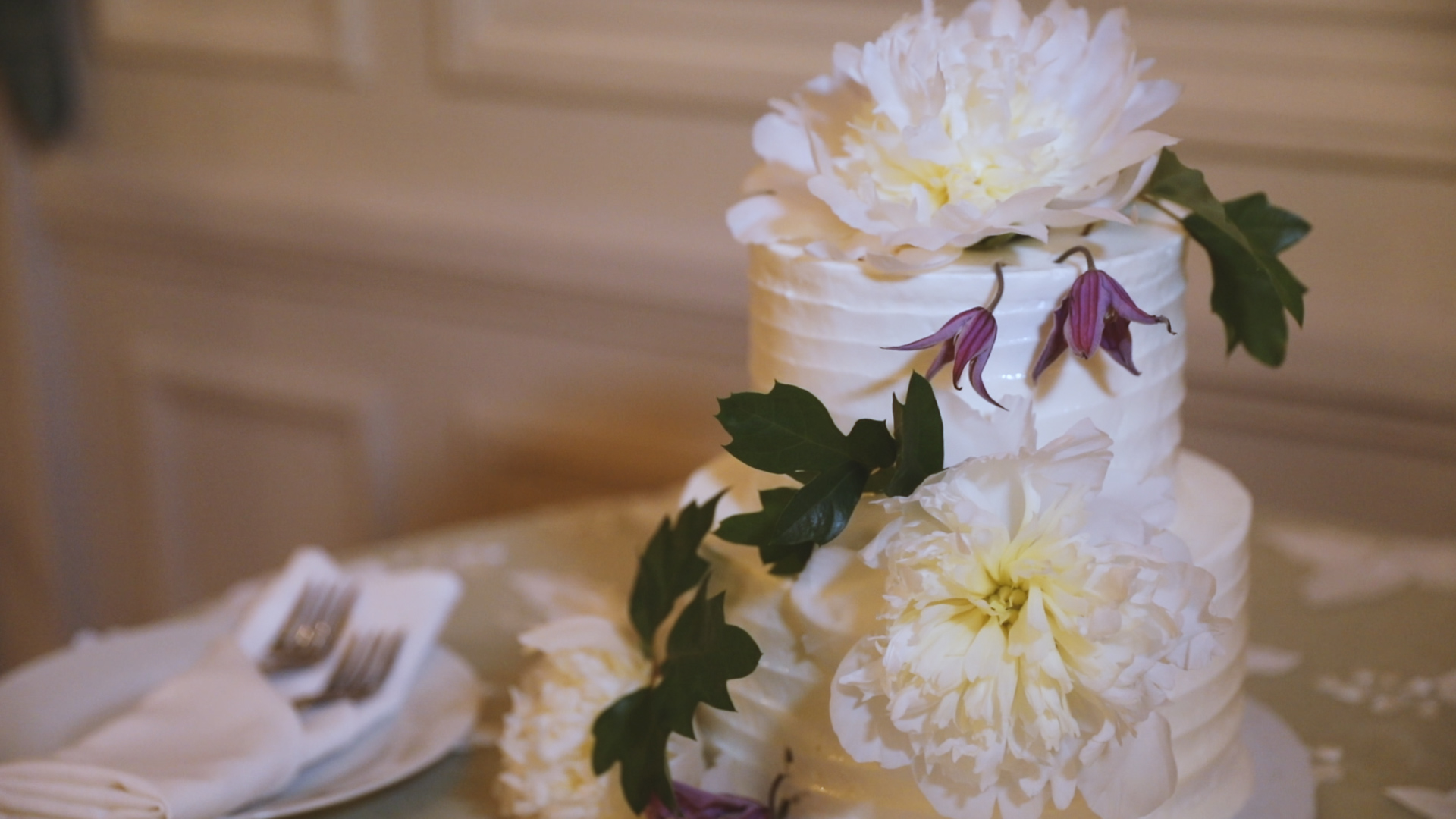 Newport Rhode Island Wedding Video - Bride Film - Wedding cake