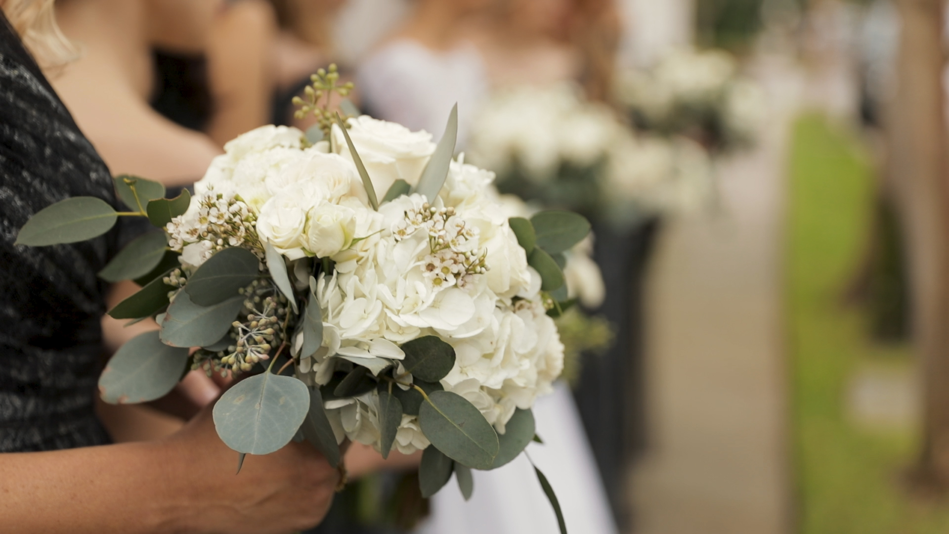 New Orleans Wedding Videography_Marianne and Clark_Beths Flowers bouquet