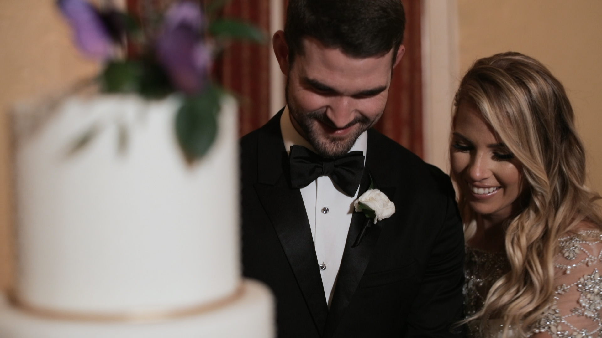 Latrobe New Orleans Wedding Video_Shaina and Seth_Cake cutting