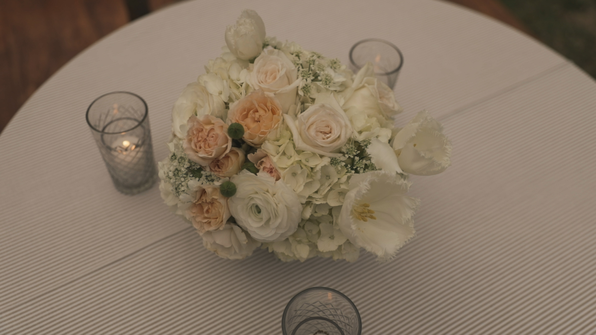 New Orleans Wedding Video_Elms Mansion_Paige and Travis_wedding florals
