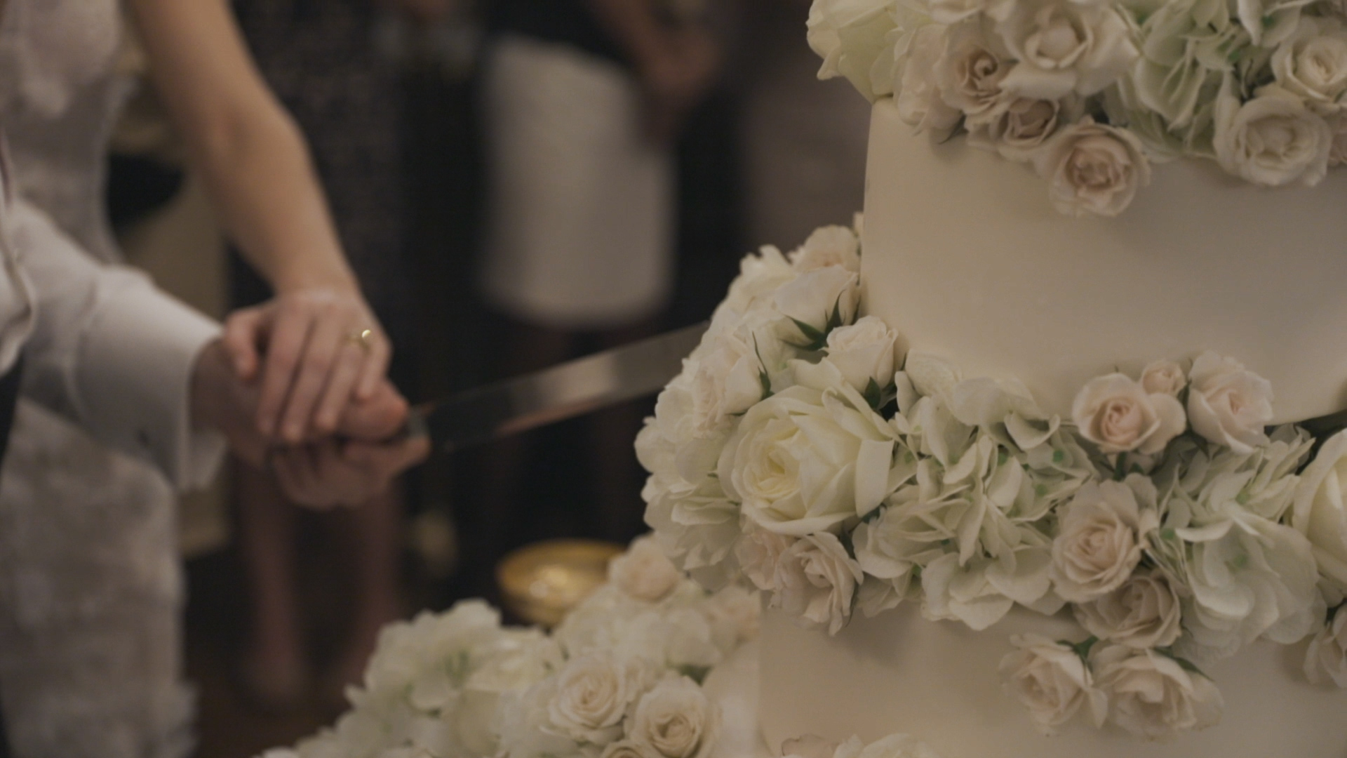 New Orleans Wedding Video_Elms Mansion_Paige and Travis_cake cutting