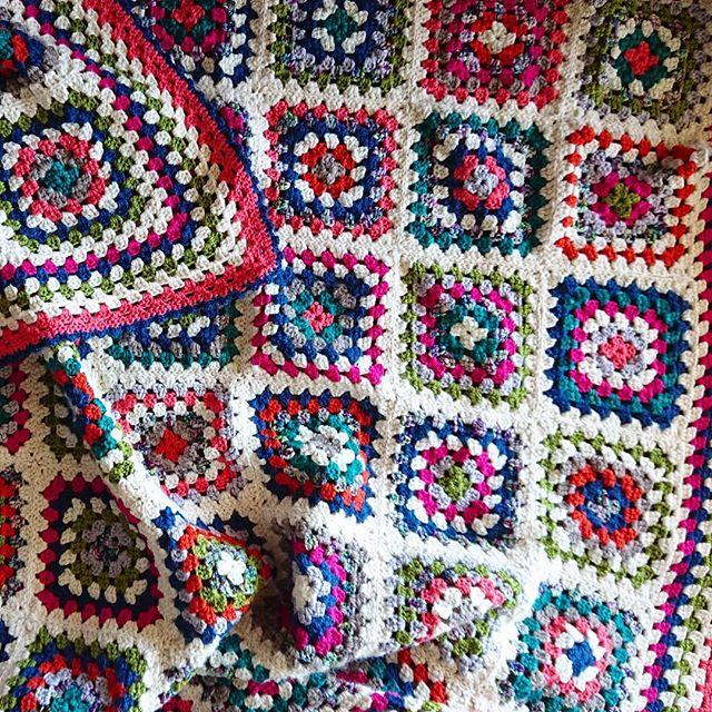 Finally finished this guy, just in time for summer.  #crochet #crochetersofig #grannysquare #grannysquareblanket #stashbusting #fibresharemakes #teamcrochet