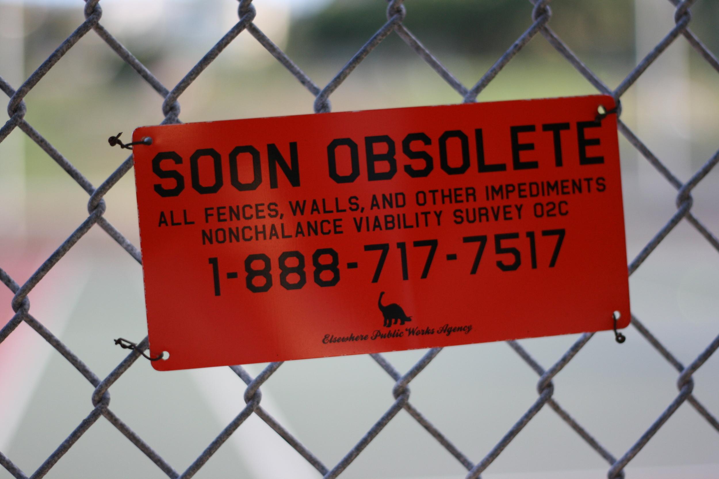 fence-sign.jpg