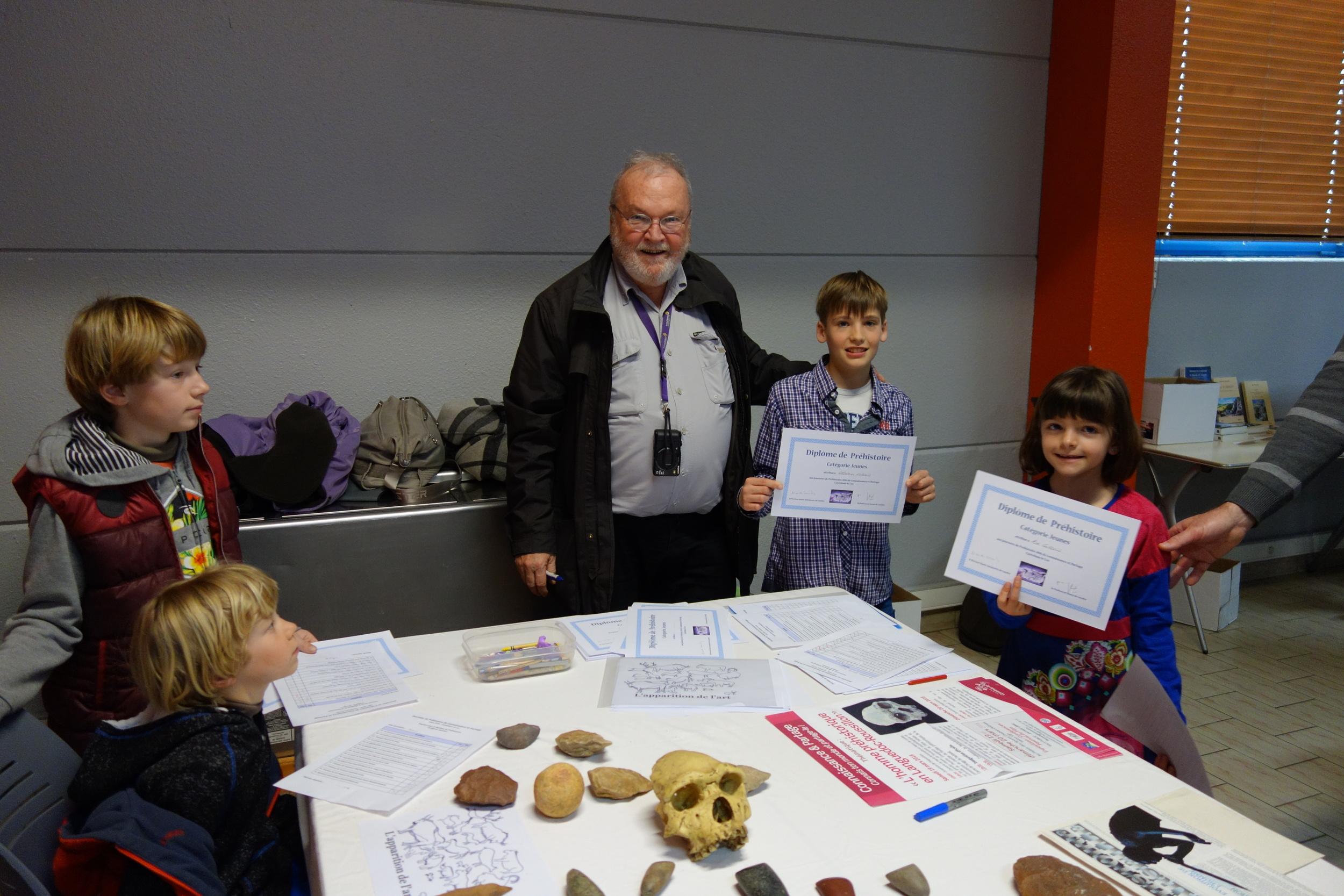 Concours des enfants pour la préhistoire animée par Gérald Mongin