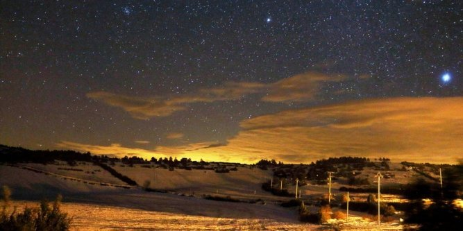 nuit-etoilee-sur-le-causse-mejean_2447392_667x333.jpg