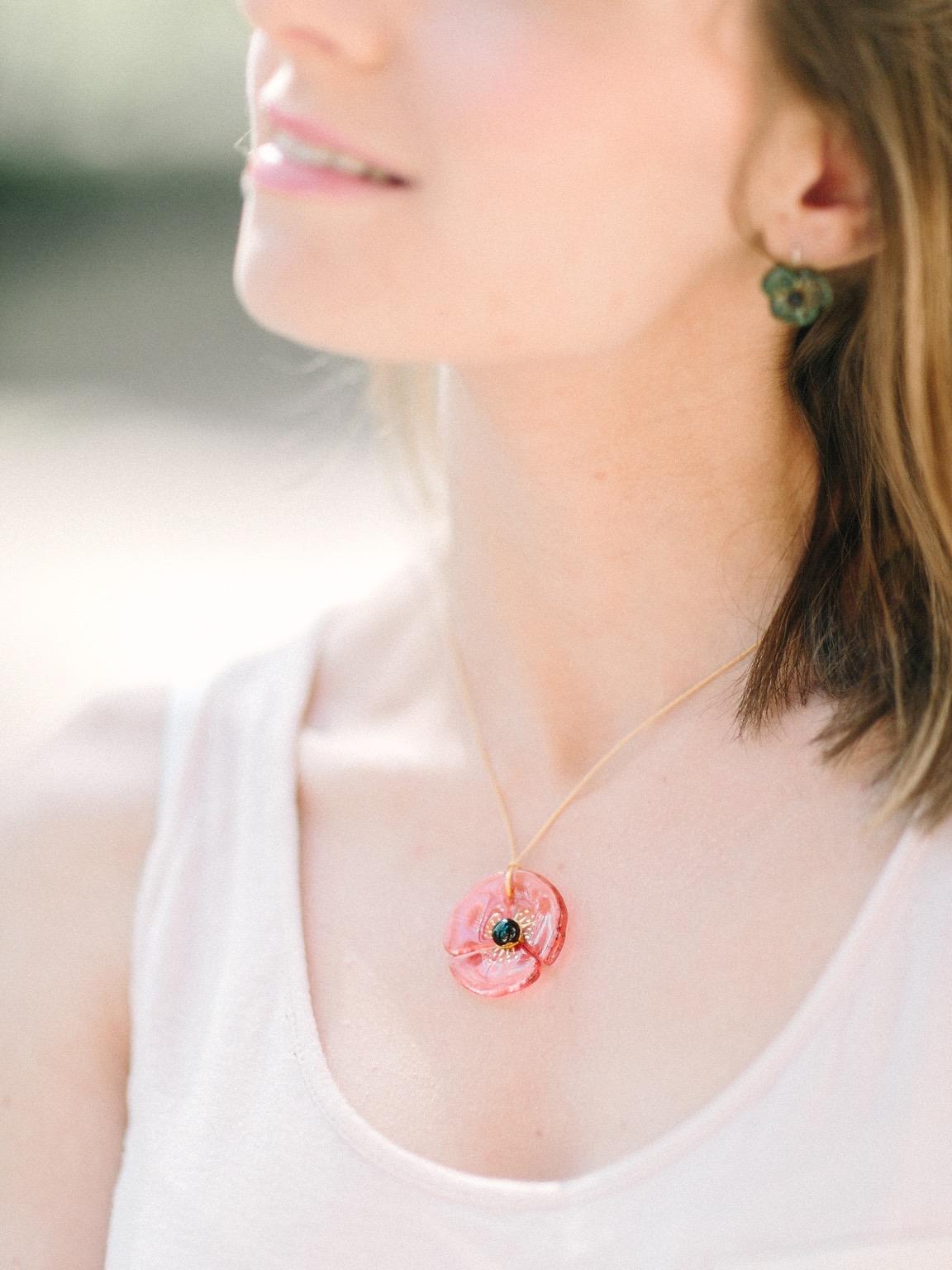 collier fleur porté 130417-16.jpg
