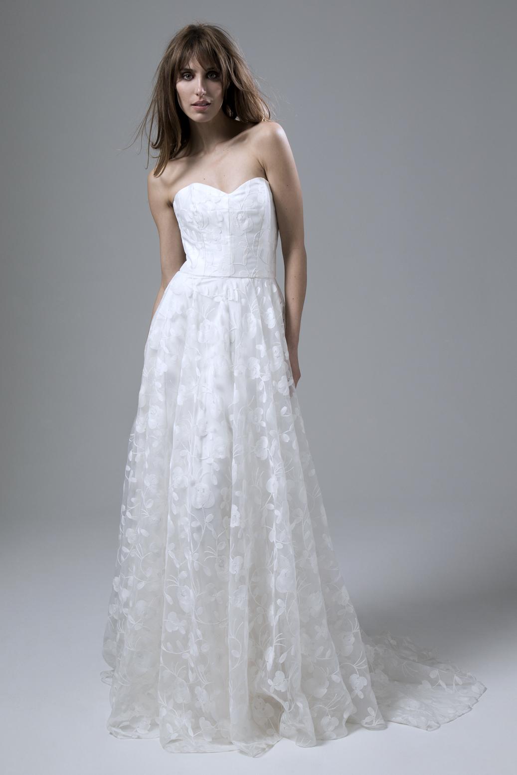 Strapless sweetheart neckline Esme wedding dress by halfpenny London