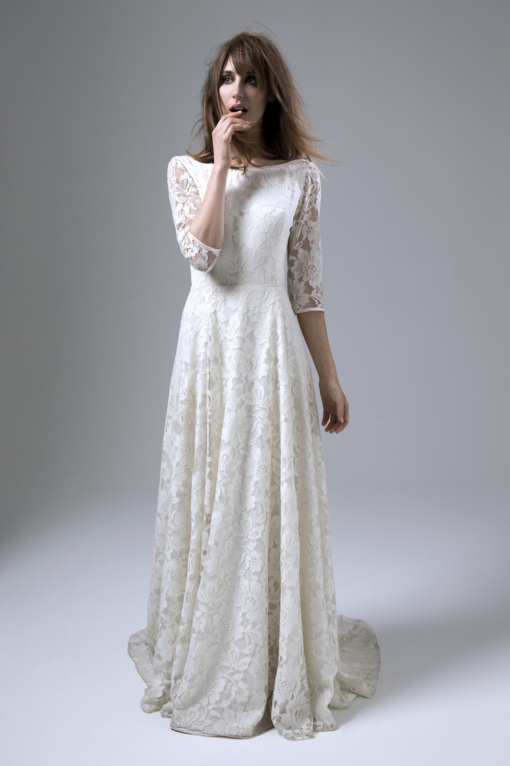 ANTONIA LARGE FLORAL LACE BACKLESS WEDDING DRESS BY HALFPENNY LONDON