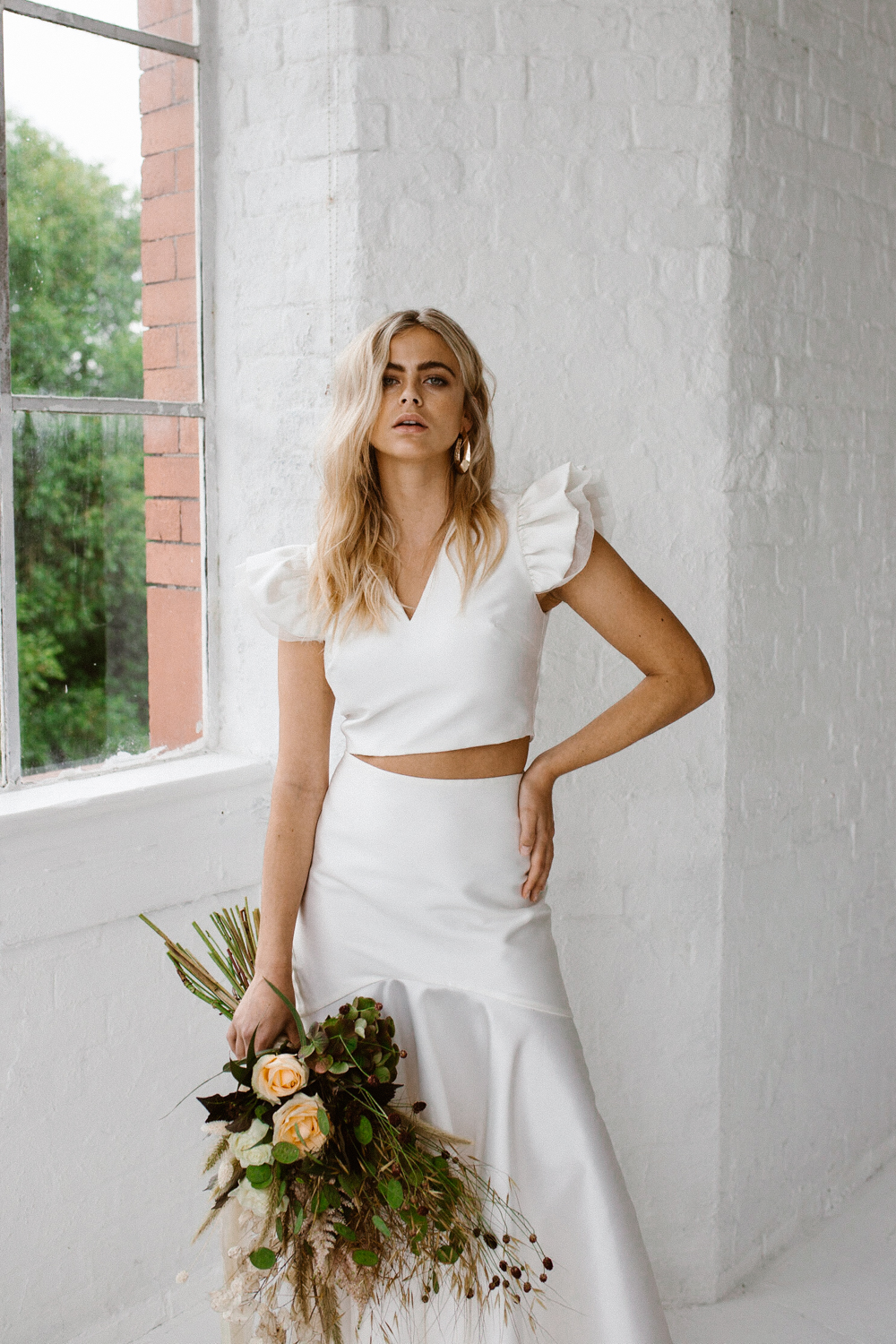 Minimalist Bridal Style | Wedding dress by Halfpenny London | Image by Agnes Black