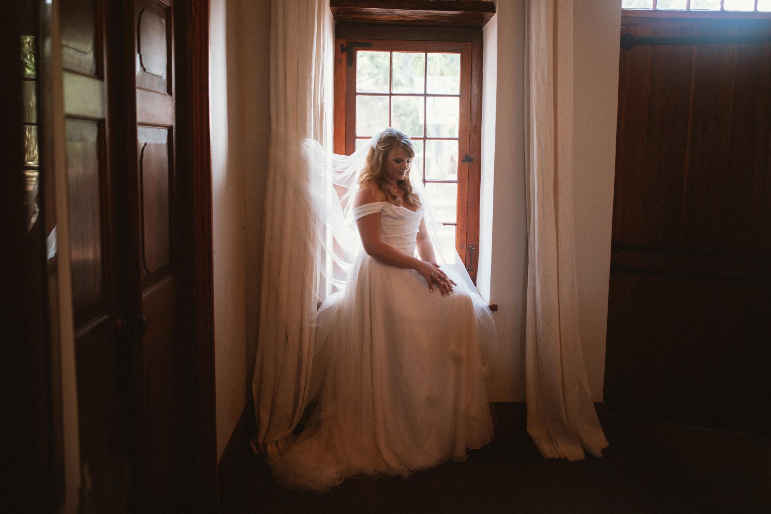 Beautiful bride Lizzie wore a wedding dress by Halfpenny London