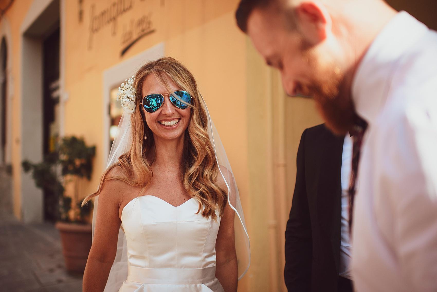 Beautiful bride Samantha wore a wedding dress by Halfpenny London