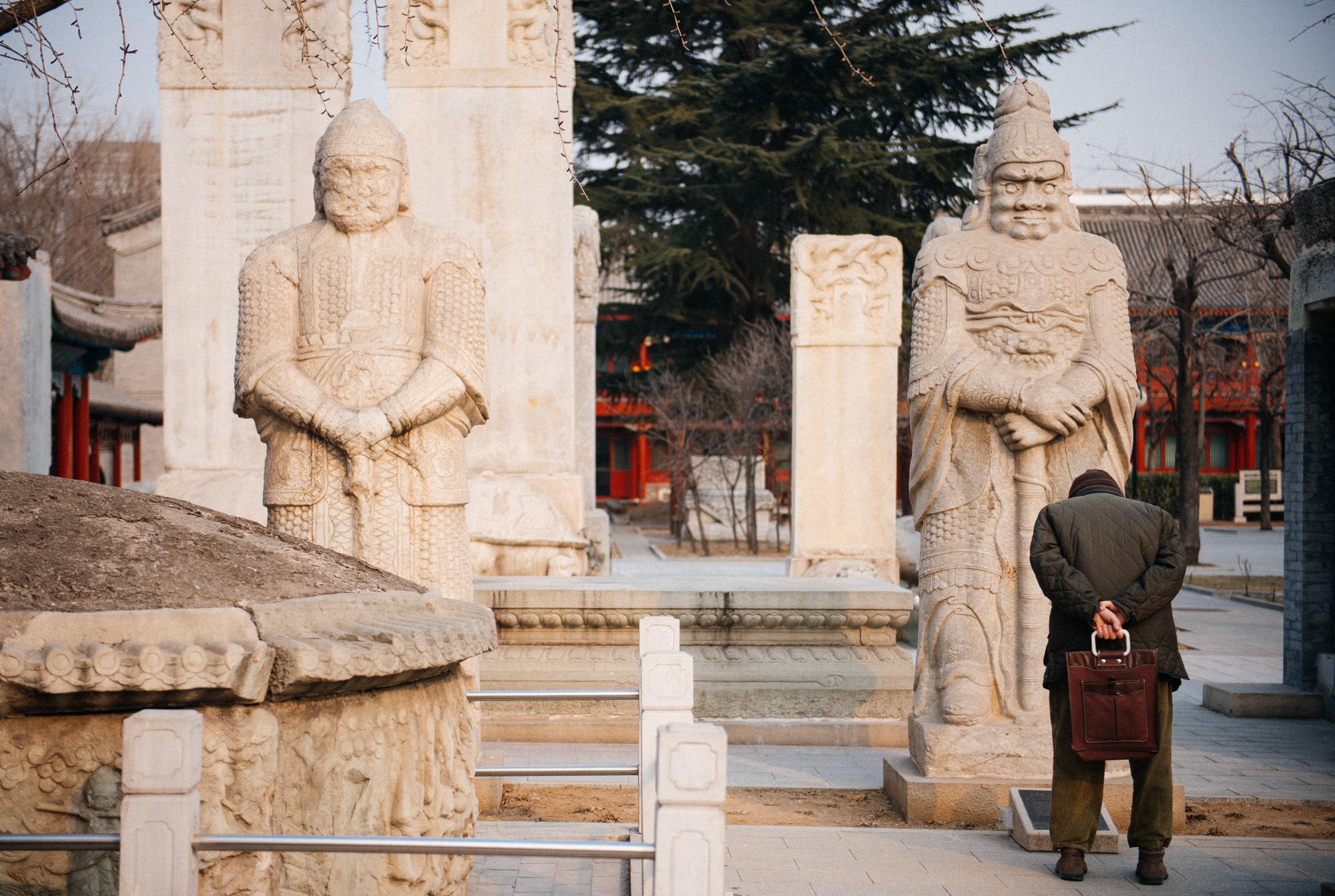 The grounds where the temple once stood have been turned into the Beijing Art Museum of Stone Carvings. Many statues and tombstones are on display on both sides of the temple.