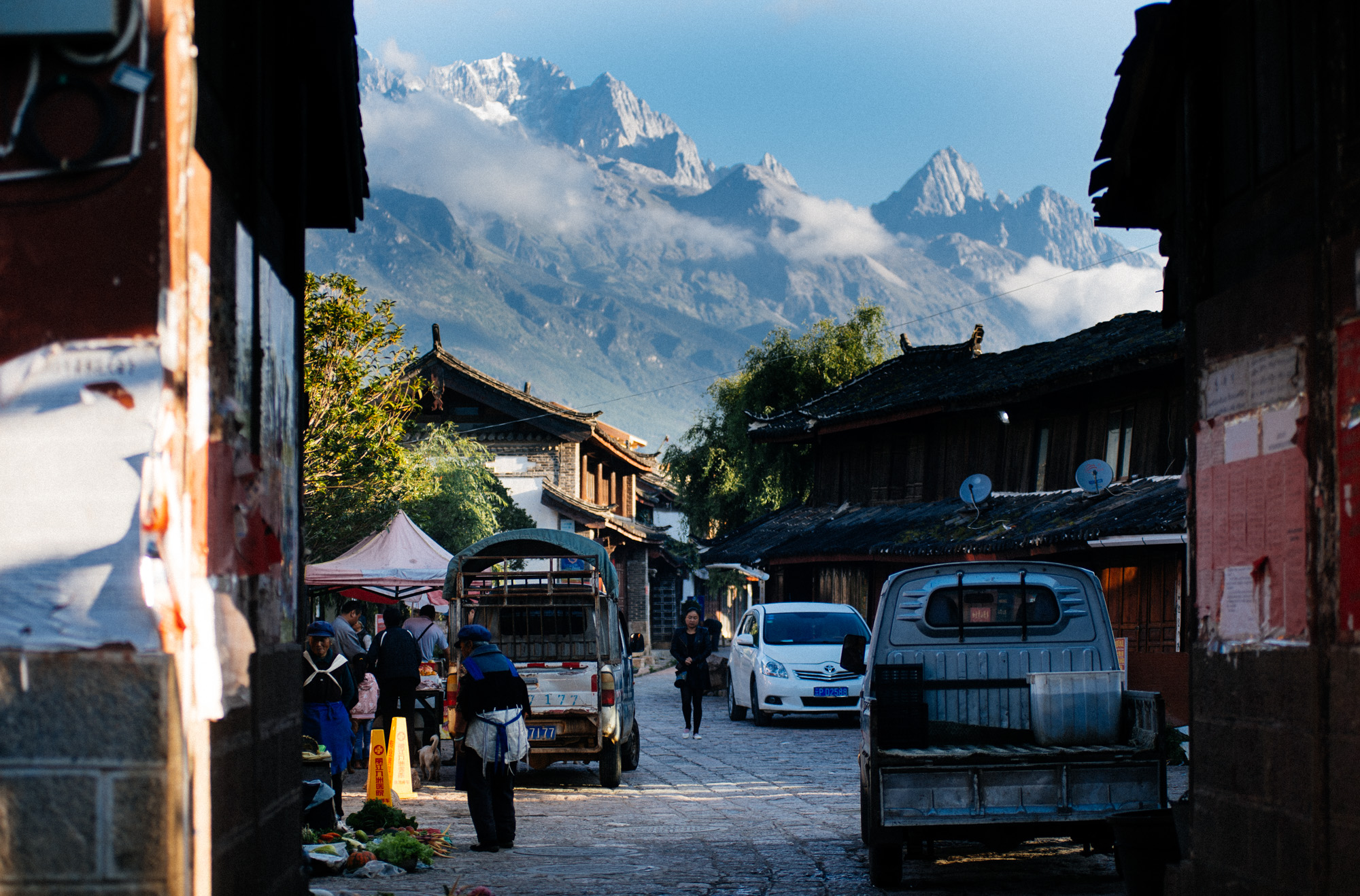 Baisha village is on the foothills of the Himalayas. In the back is the Snow Jade Dragon Mountain.