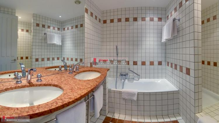 greencourt-apt3c-bathroom-hd.jpg