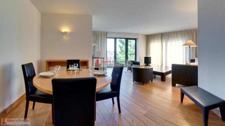 greencourt-apt3c-livingroom1c-hd.jpg