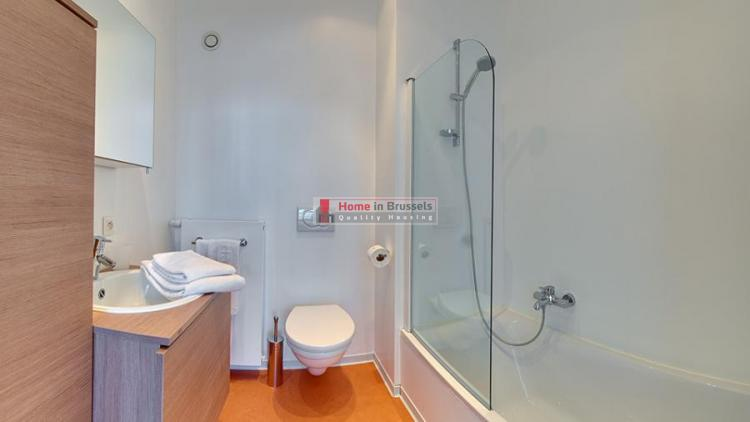 livorno-apt3a-bathroom1.jpg