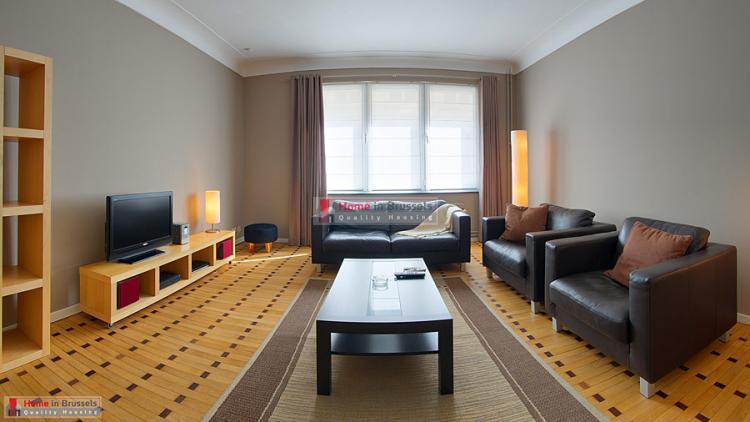 parcroyal-apt2d-livingroom-hd.jpg