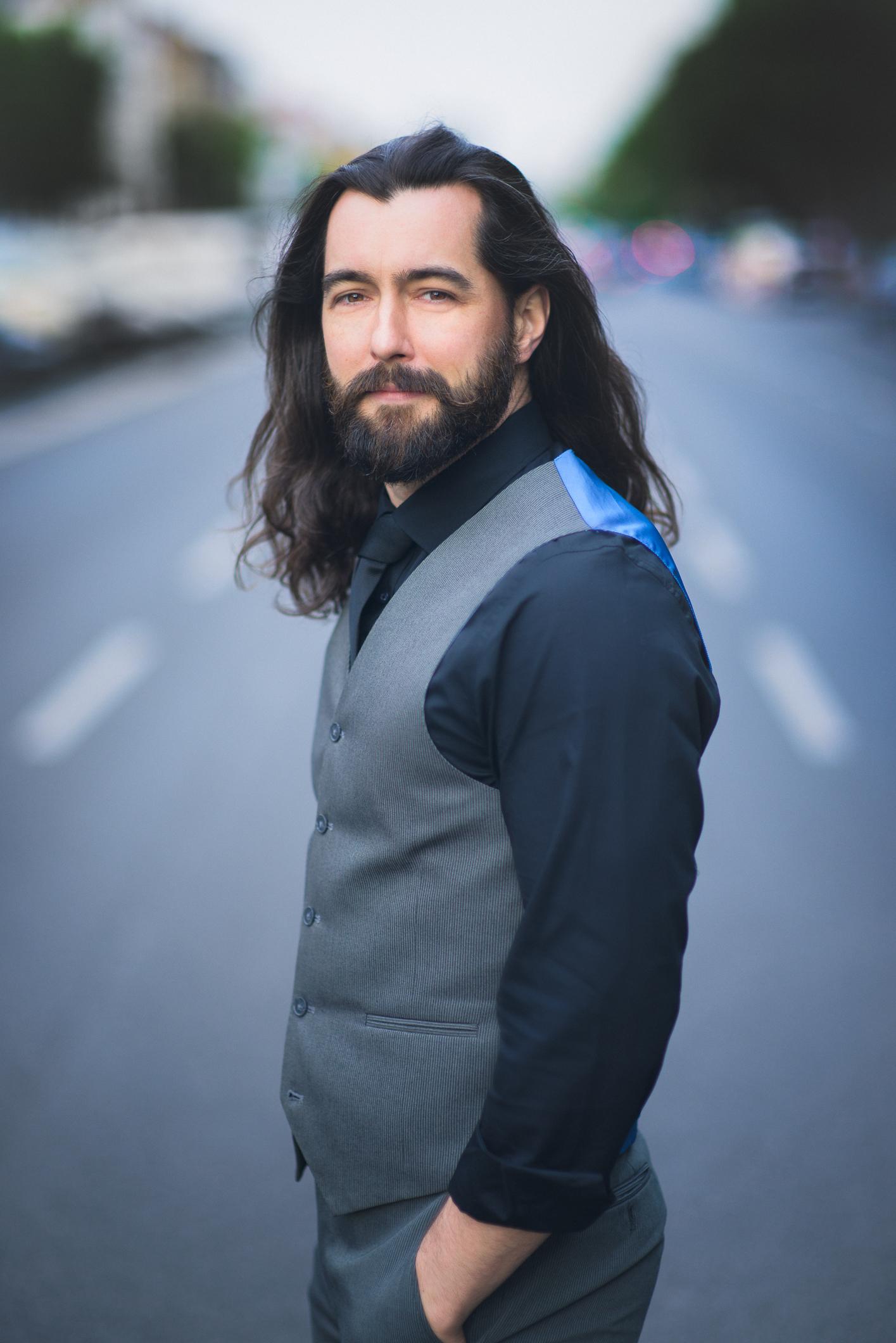 Seth Carico