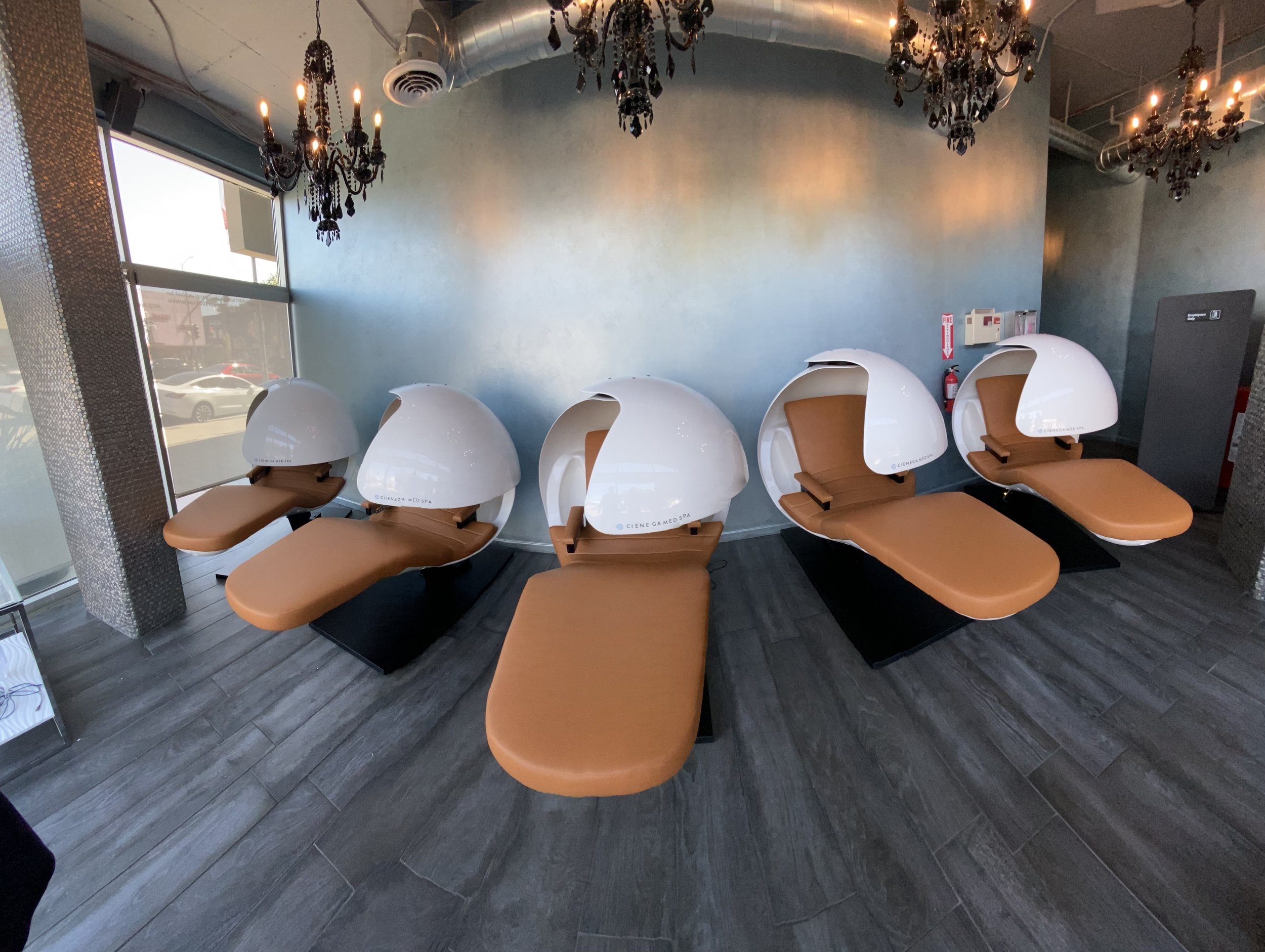 With locations in both Santa Monica and West Hollywood, Cienega Spa now offers its NAD IV and Cellular Detox Treatments in EnergyPods by MetroNaps. Clients will now get a rejuvenating rest while enjoying these unique services in the luxurious setting at Cienega. Learn more  here .