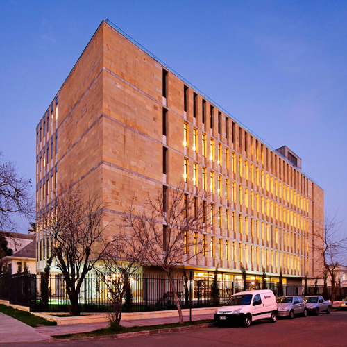 Edificio Amberes Norte, Universidad Finis Terrae