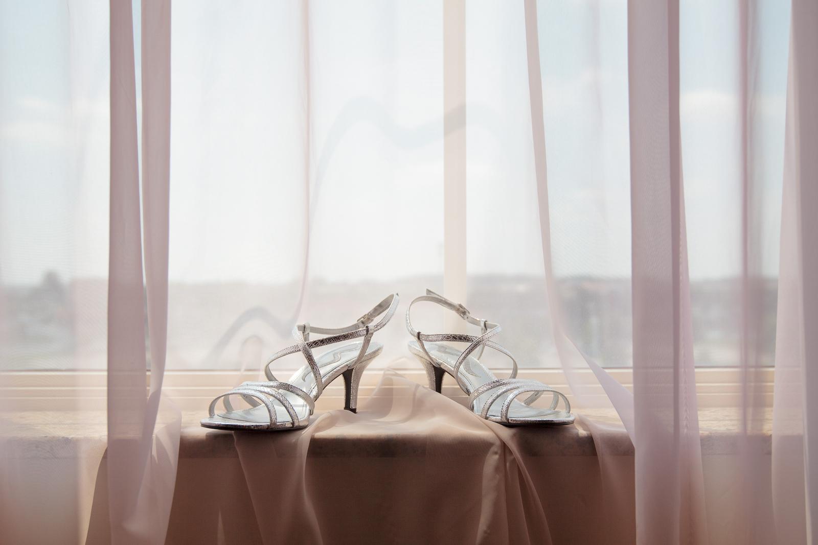 01-Wedding-Prep-022.JPG