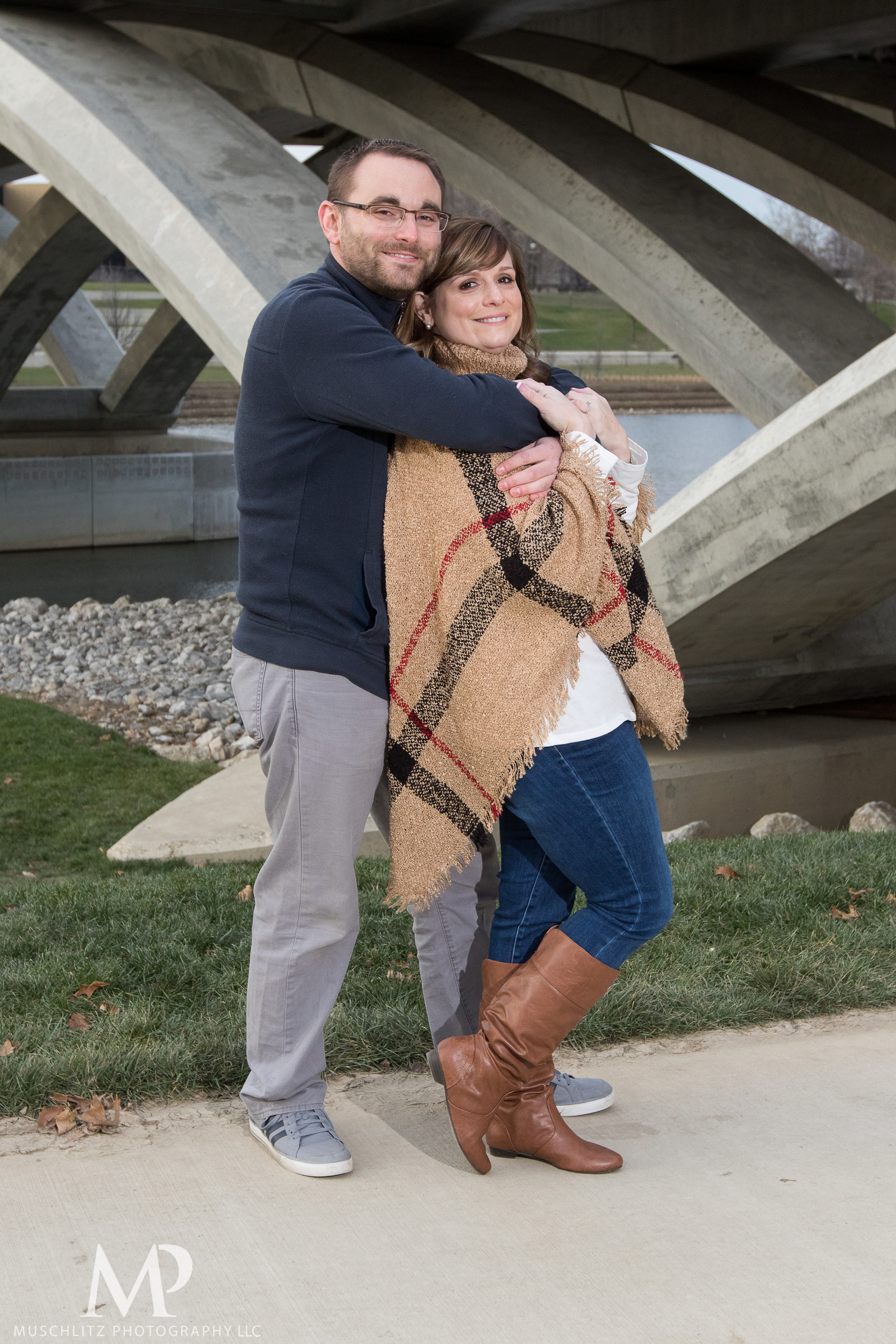 bicentennial-park-engagement-session-holiday-portraits-columbus-ohio-010.JPG