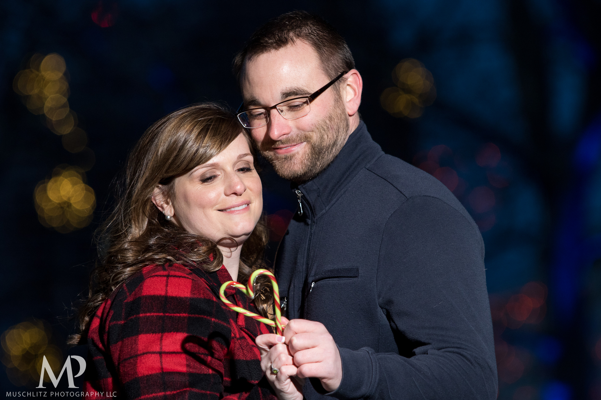 bicentennial-park-engagement-session-holiday-portraits-columbus-ohio-043.JPG