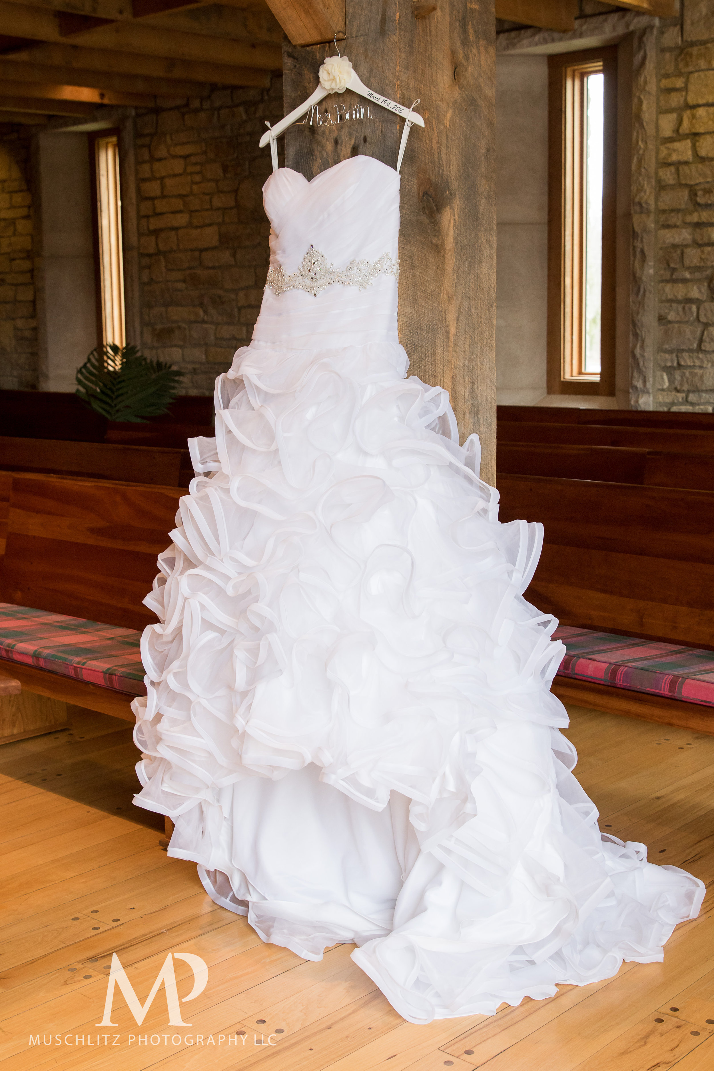 liberty-barn-presbyterian-church-wedding-delaware-columbus-ohio-muschlitz-photography-011.JPG