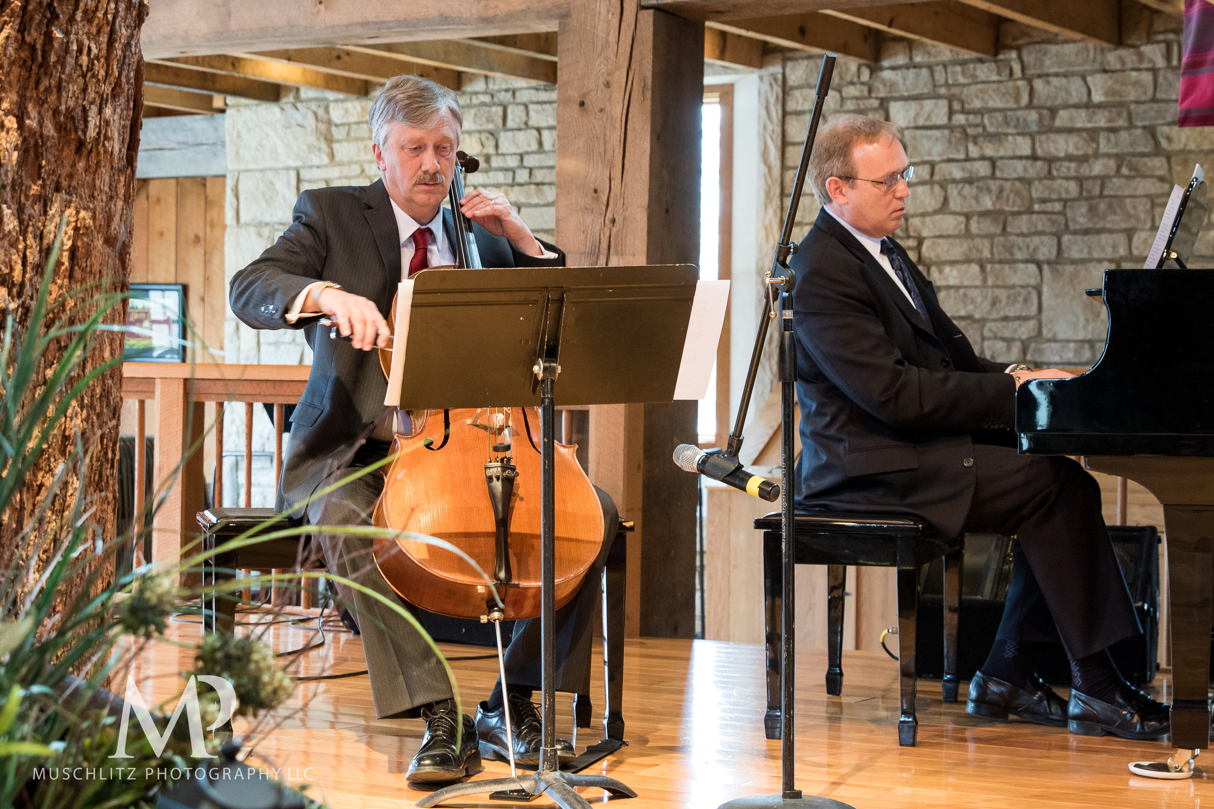 liberty-barn-presbyterian-church-wedding-delaware-columbus-ohio-muschlitz-photography-024.JPG