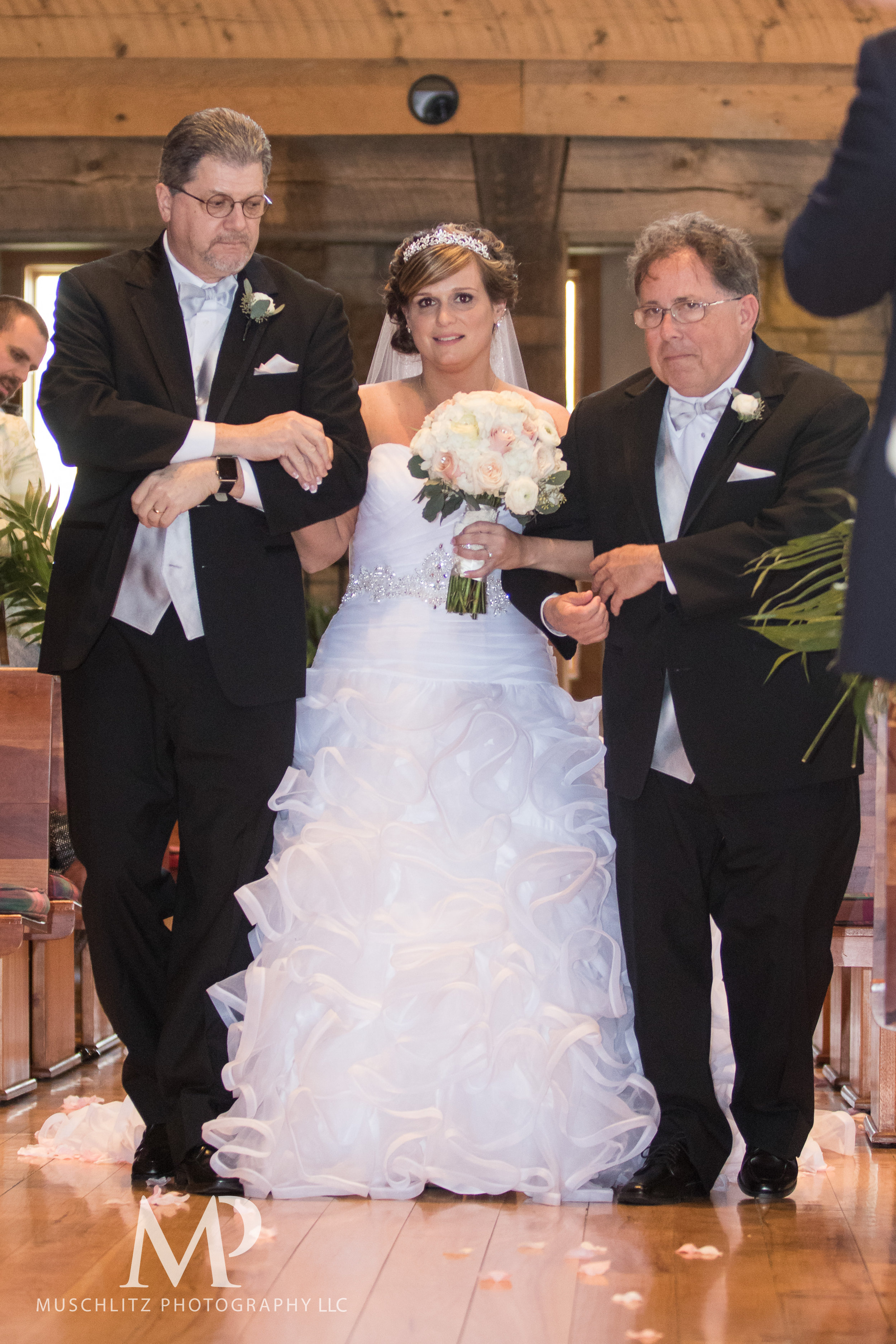 liberty-barn-presbyterian-church-wedding-delaware-columbus-ohio-muschlitz-photography-028.JPG