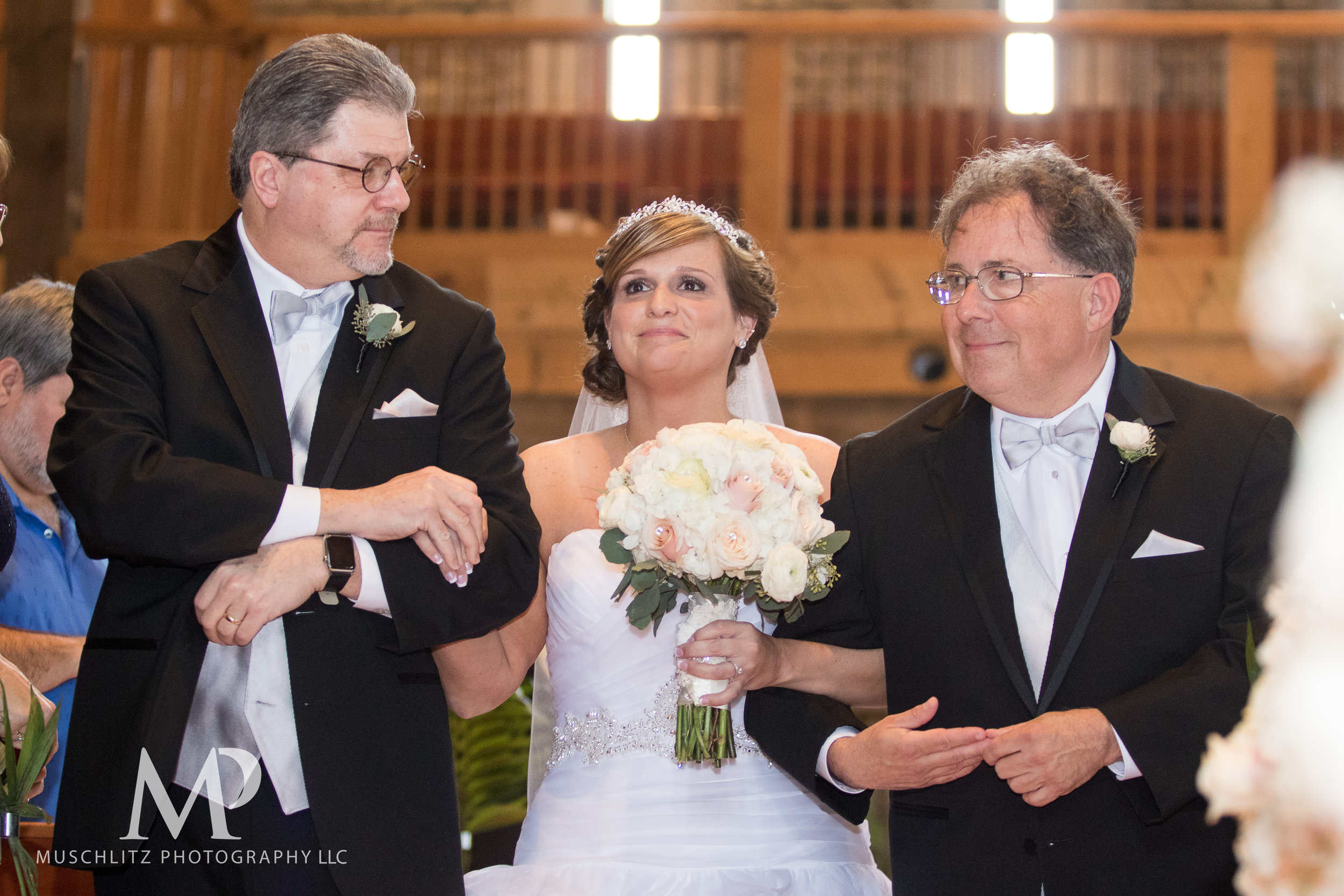 liberty-barn-presbyterian-church-wedding-delaware-columbus-ohio-muschlitz-photography-029.JPG
