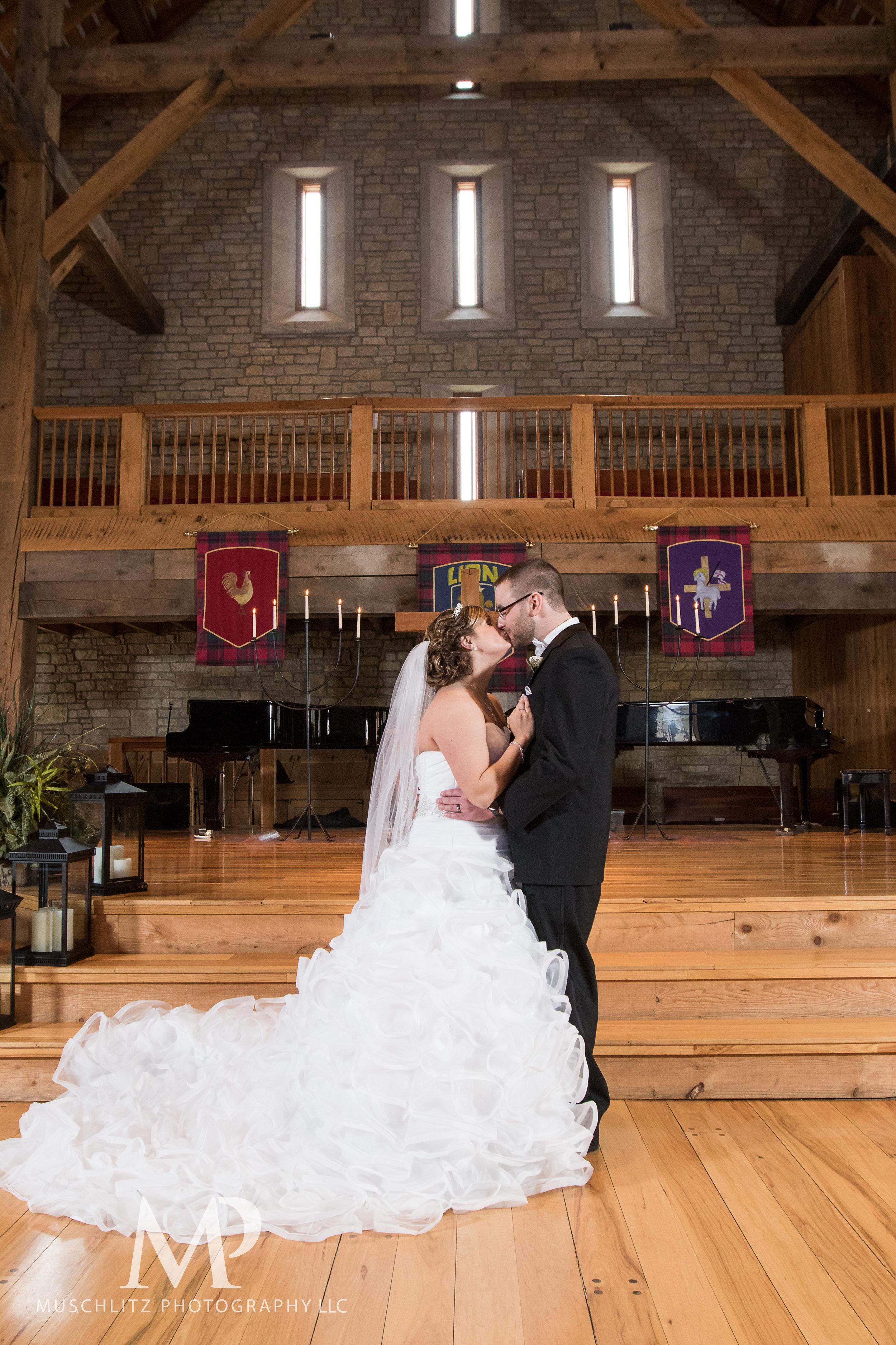 liberty-barn-presbyterian-church-wedding-delaware-columbus-ohio-muschlitz-photography-049.JPG