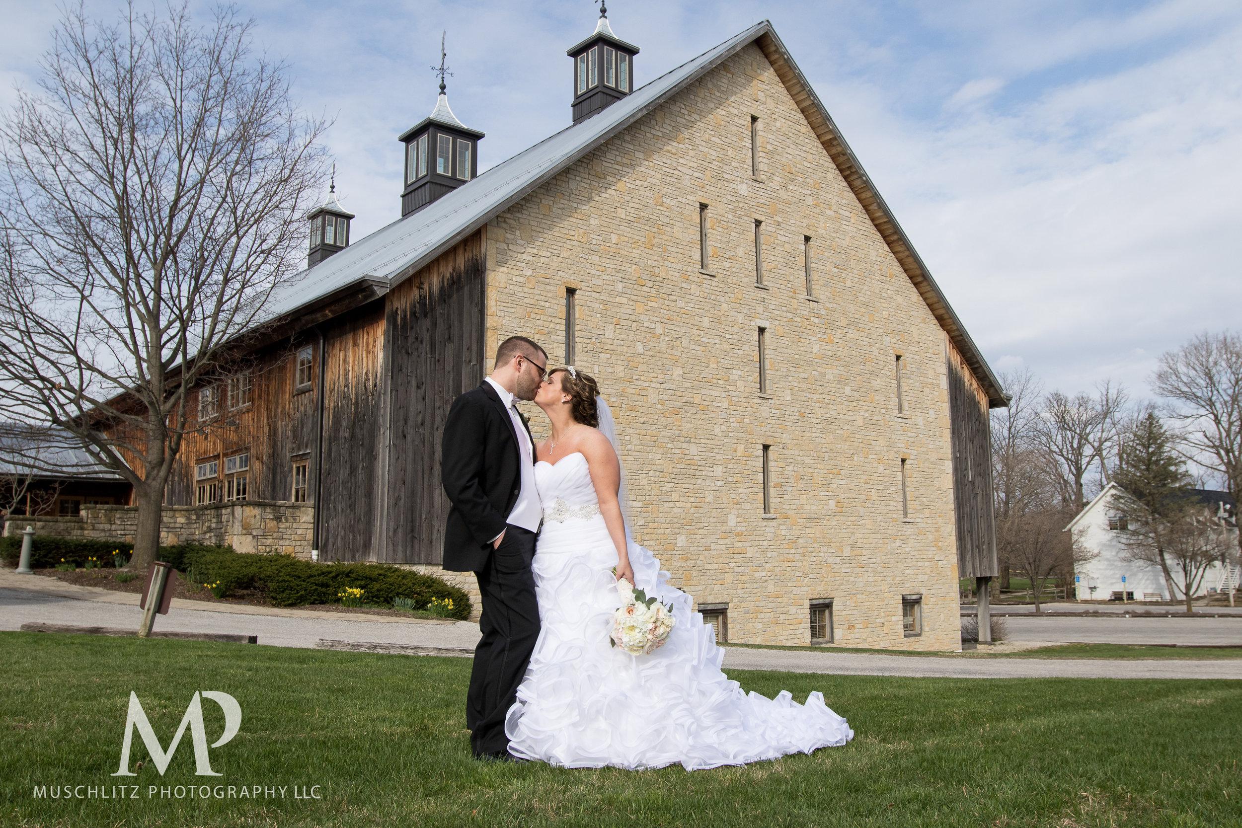 liberty-barn-presbyterian-church-wedding-delaware-columbus-ohio-muschlitz-photography-054.JPG