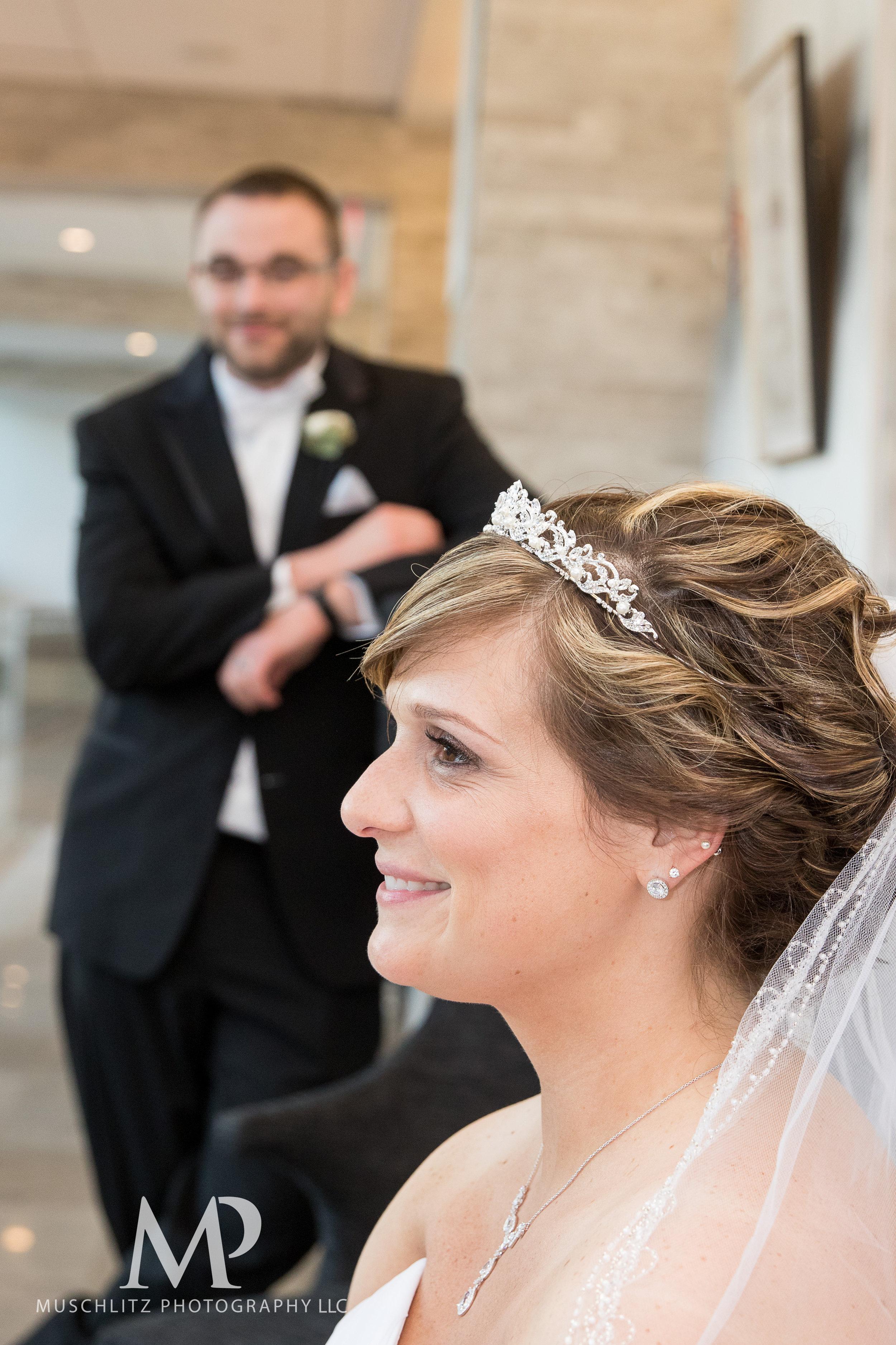 the hilton-columbus-wedding-portraits-downtown-columbus-ohio-muschlitz-photography-016.JPG
