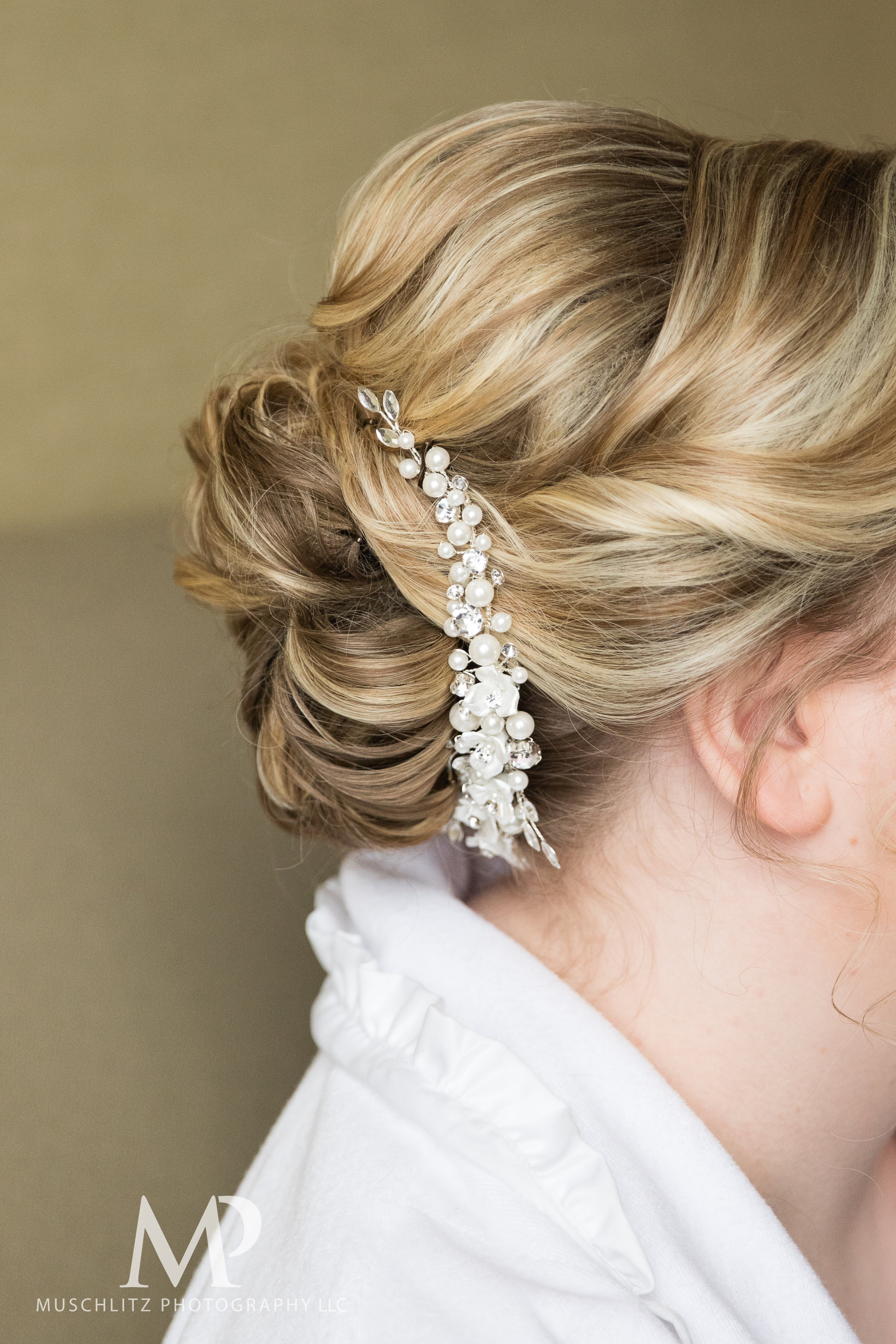 wedding-prep-hilton-polaris-columbus-ohio-muschlitz-photography-001.JPG