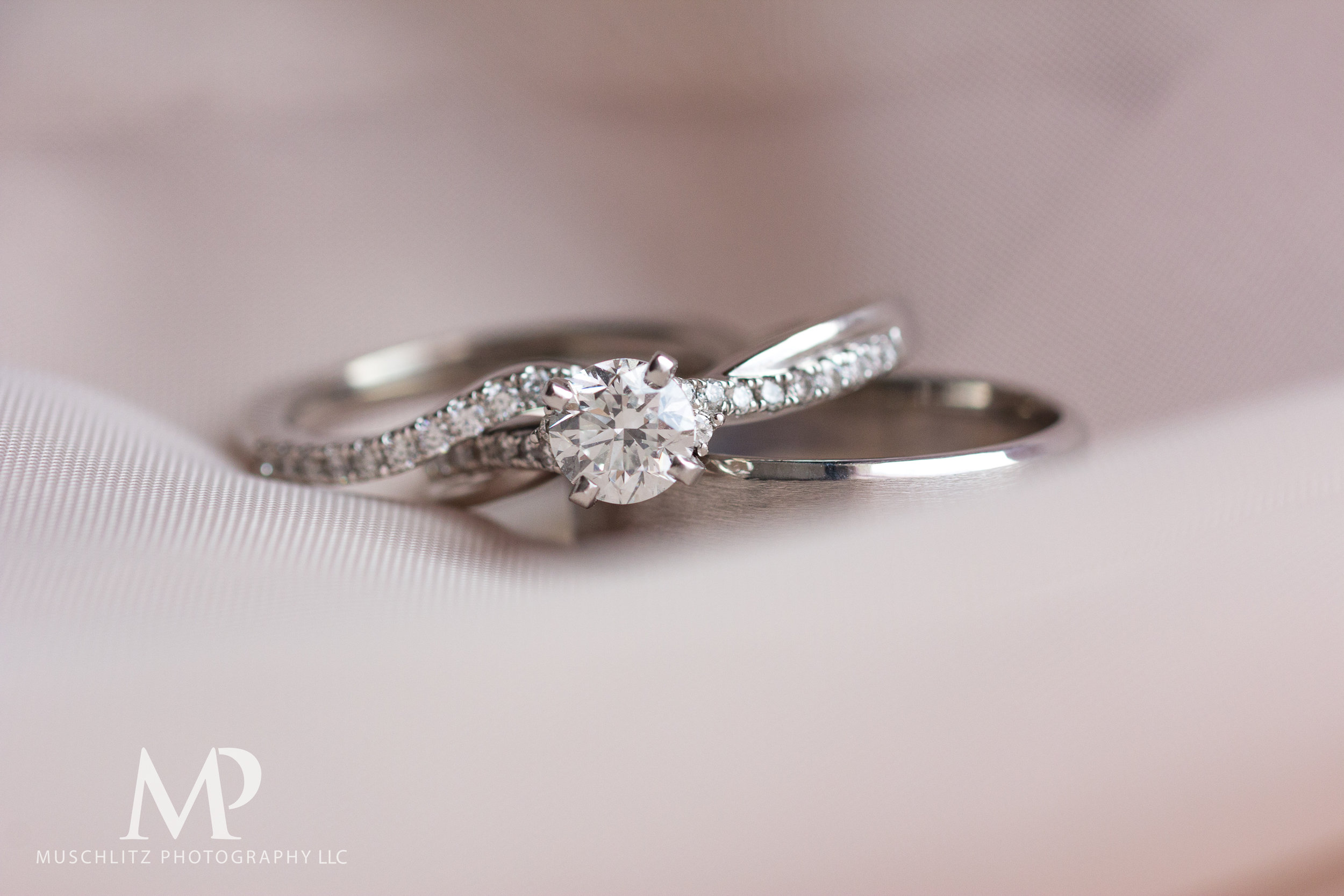 wedding-prep-hilton-polaris-columbus-ohio-muschlitz-photography-016.JPG