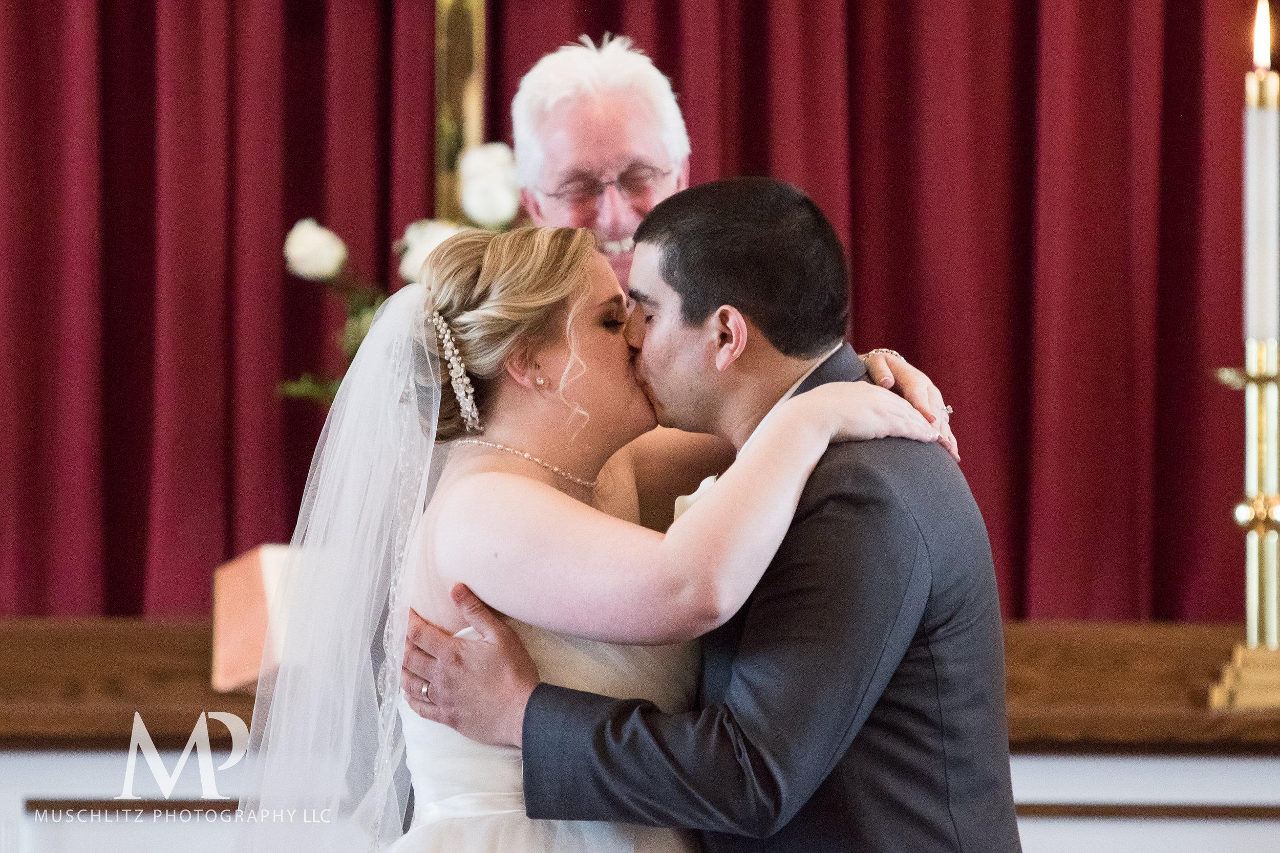 dublin-community-church-wedding-columbus-ohio-muschlitz-photography-057.JPG