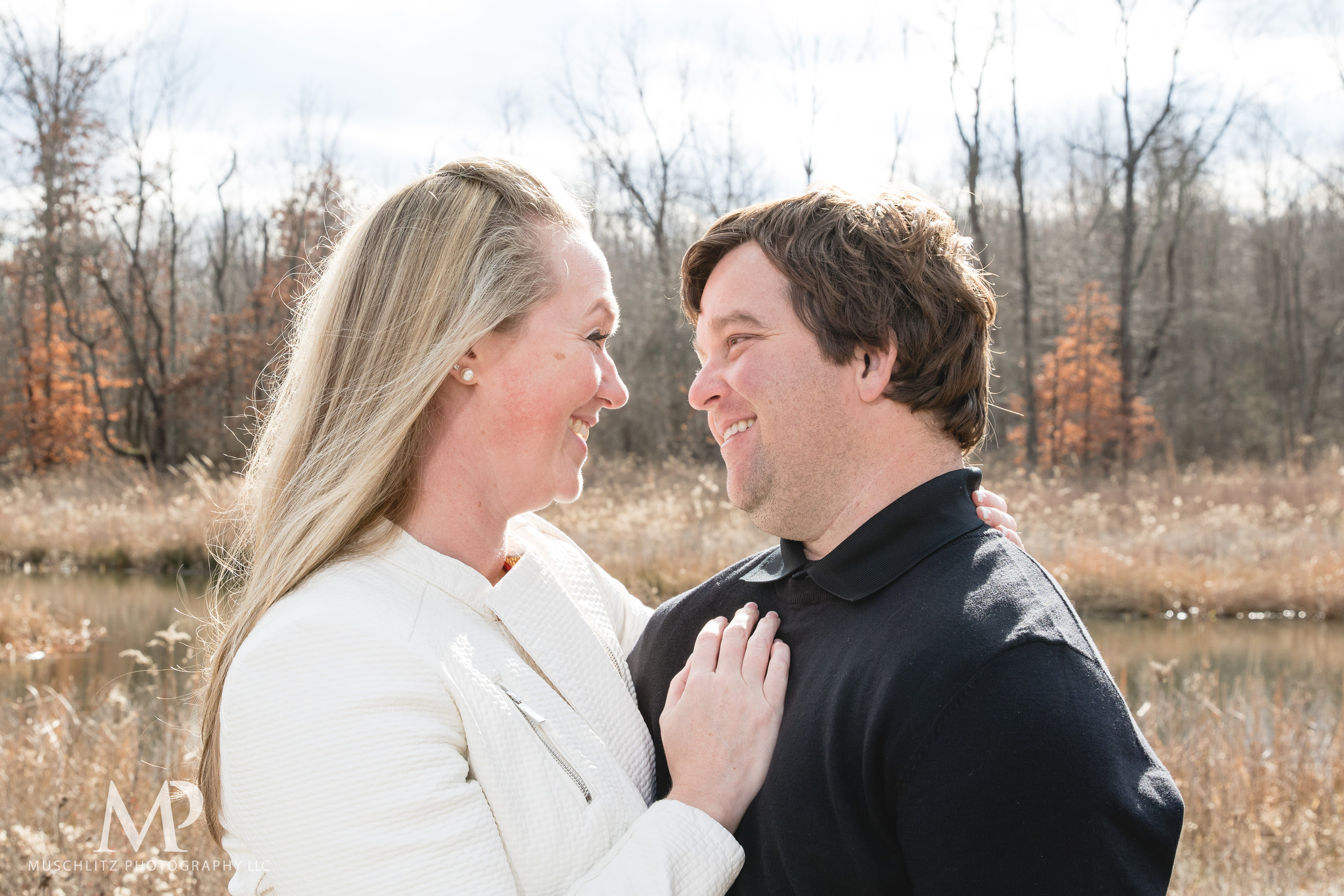 Gahanna-Columbus-Ohio-Winter-Engagement-Portrait-Photographer-Outdoors-muschlitz-photography002.JPG
