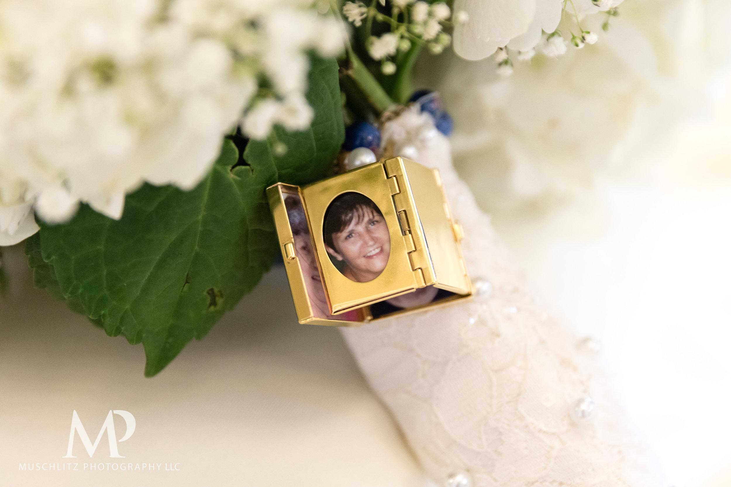 01-Wedding-Prep-133.JPG