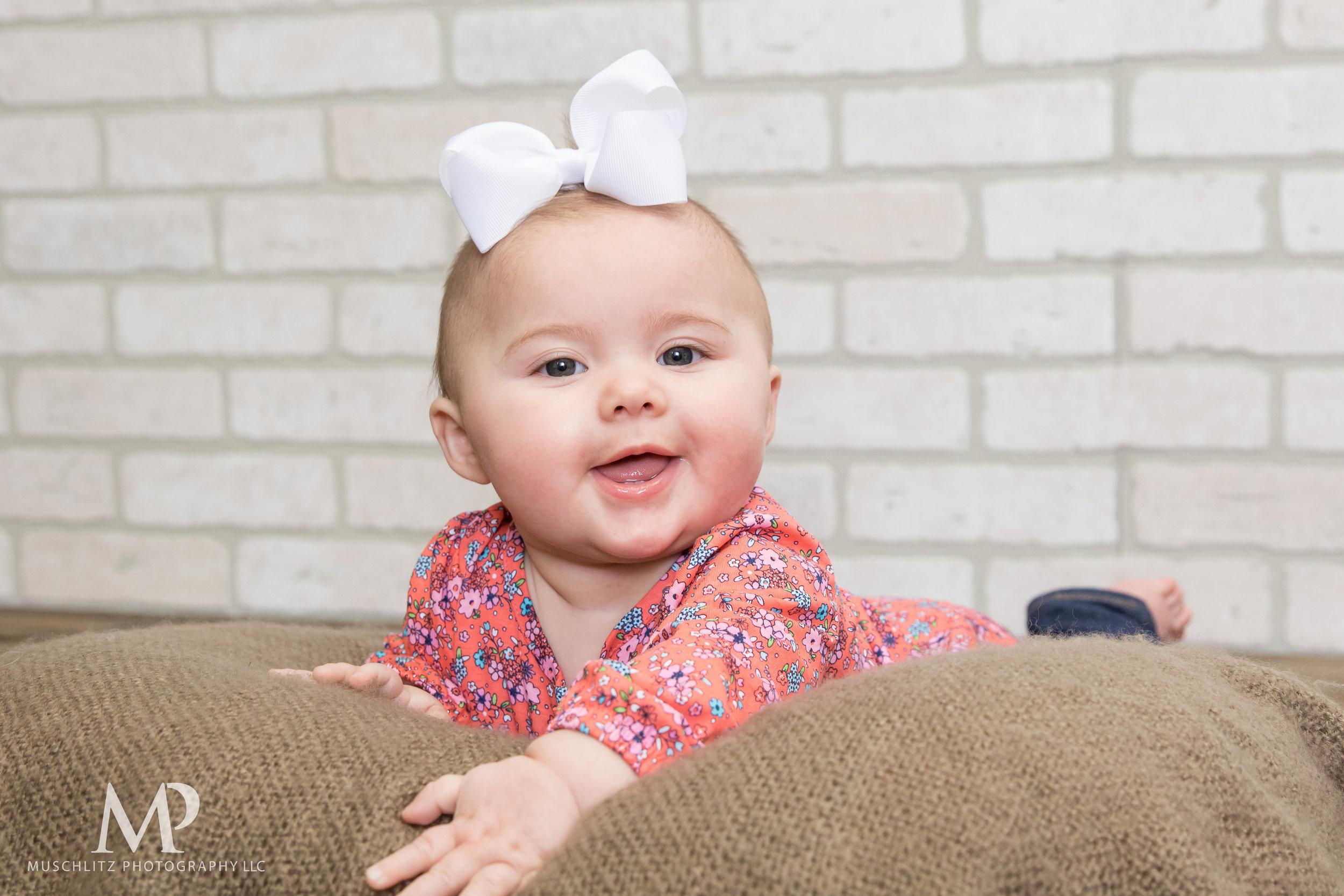 6-month-portraits-baby-photographer-columbus-ohio-gahanna-muschlitz-photography-005.JPG