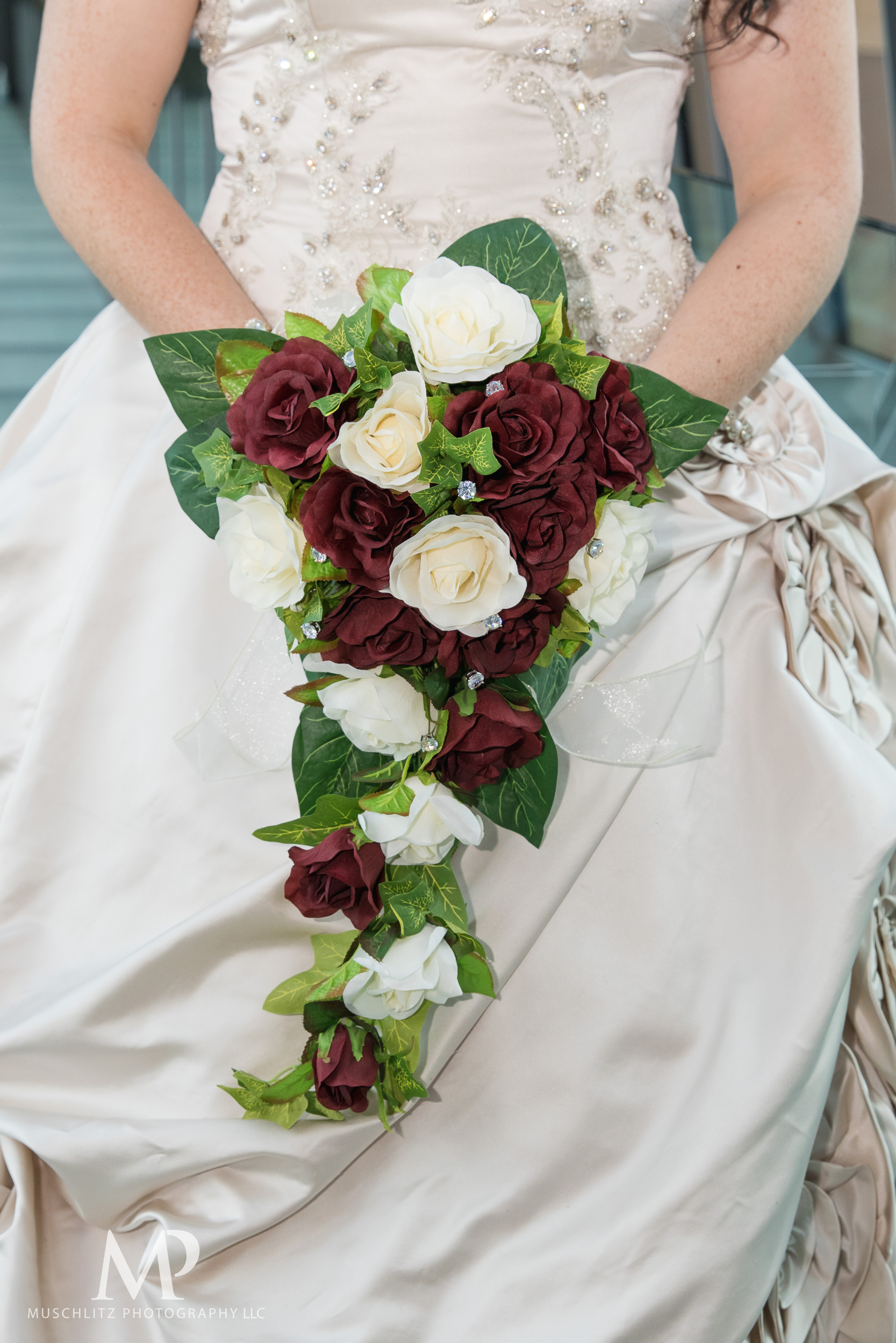 greater-columbus-convention-center-winter-wedding-ceremony-reception-portraits-columbus-ohio-muschlitz-photography-042.JPG