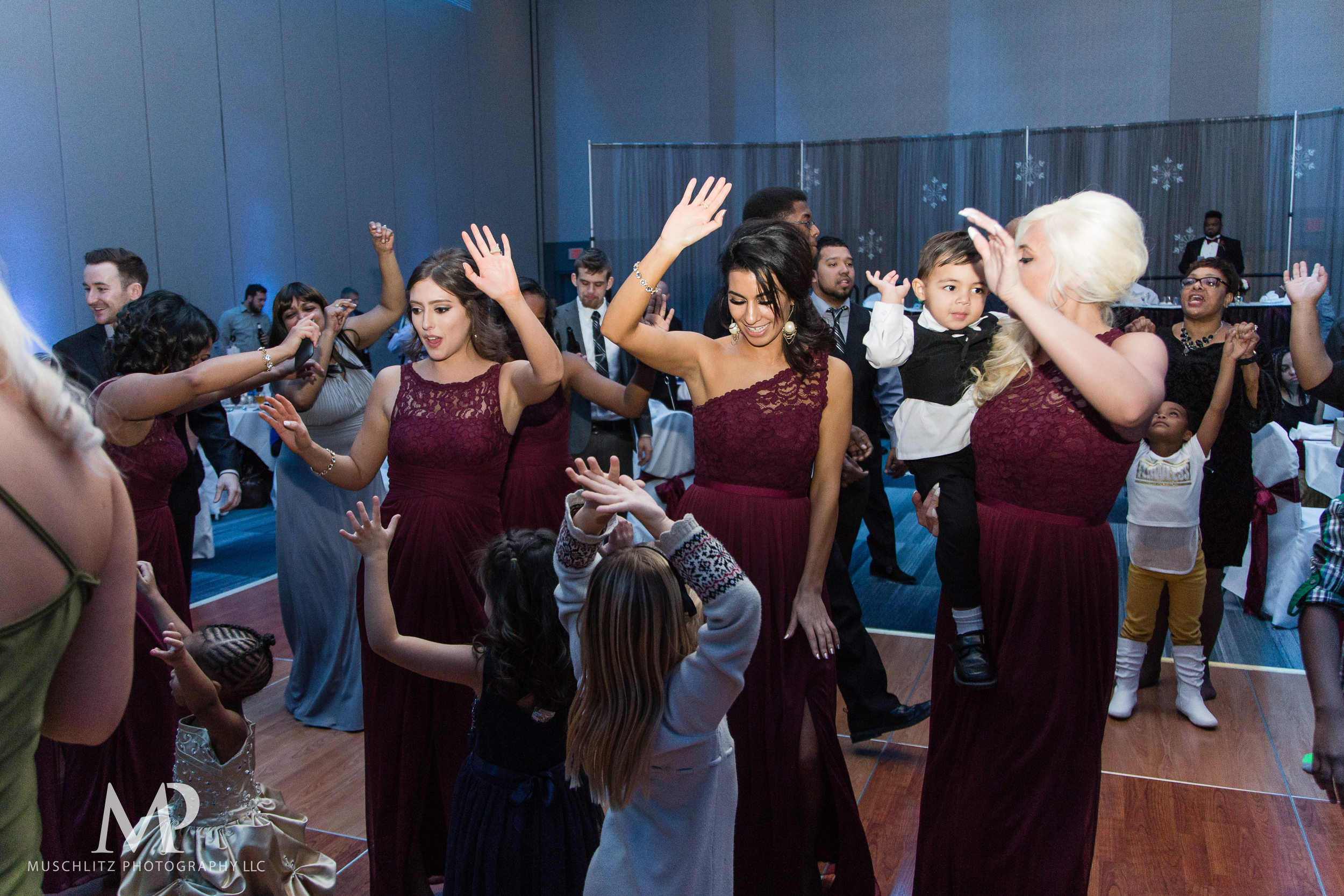 greater-columbus-convention-center-winter-wedding-ceremony-reception-portraits-columbus-ohio-muschlitz-photography-085.JPG